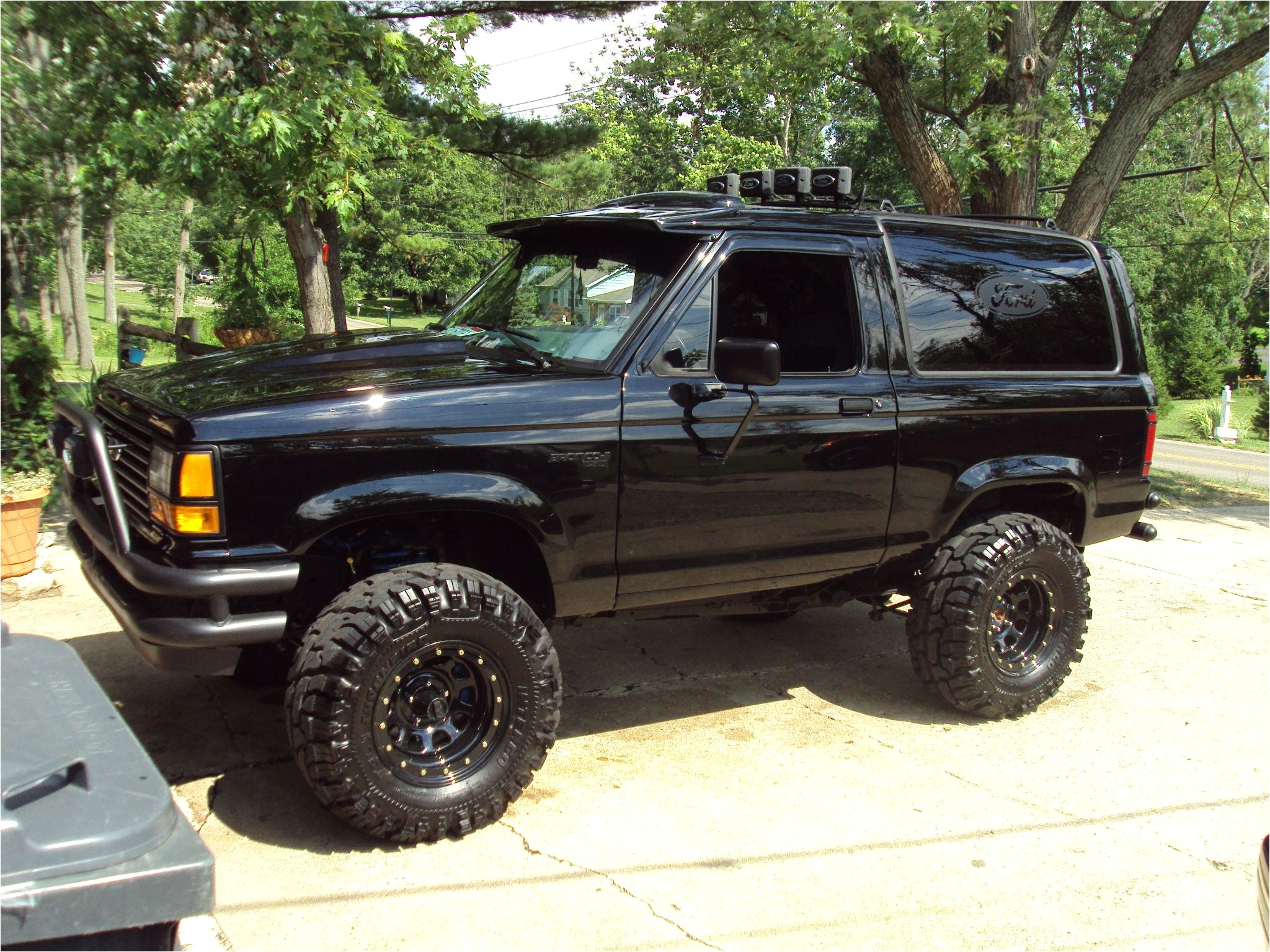 i can t wait for my bronco ii to be finished it will look similar to this
