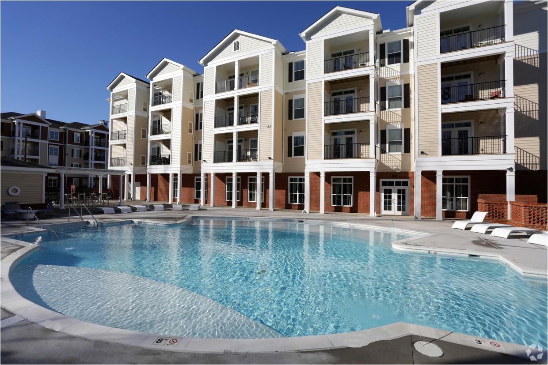 swimming pool charleston ridge apartments