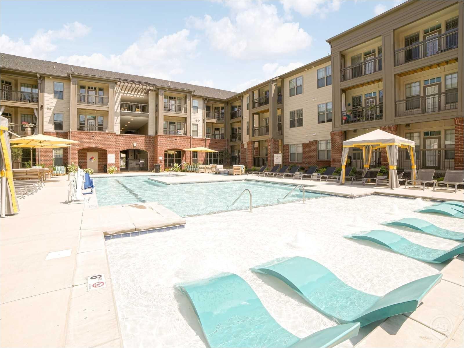 2 Bedroom Apartments Under 800 In Charlotte Nc Fountains Matthews Apartments Matthews Nc 28105