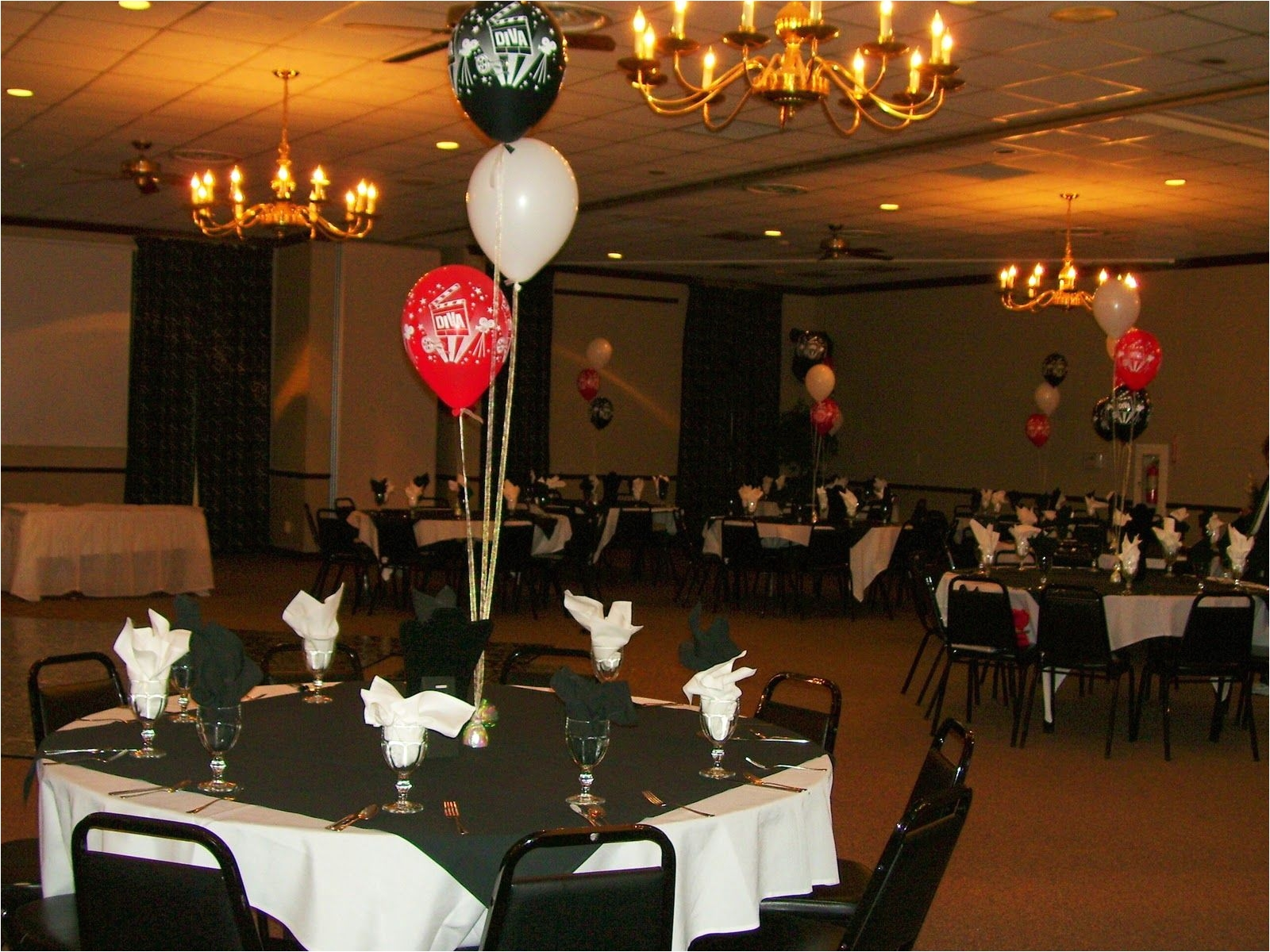 birthday table decorations centerpieces 40th birthday party balloon decorations celebrate the day with