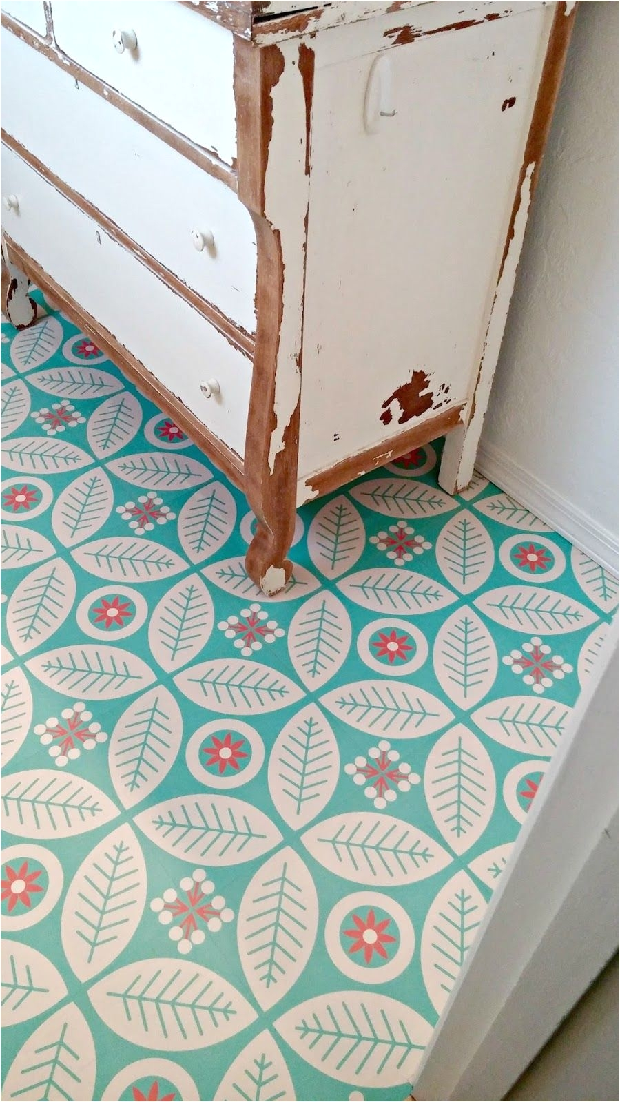 self adhesive vinyl floor tiles from mirth studios