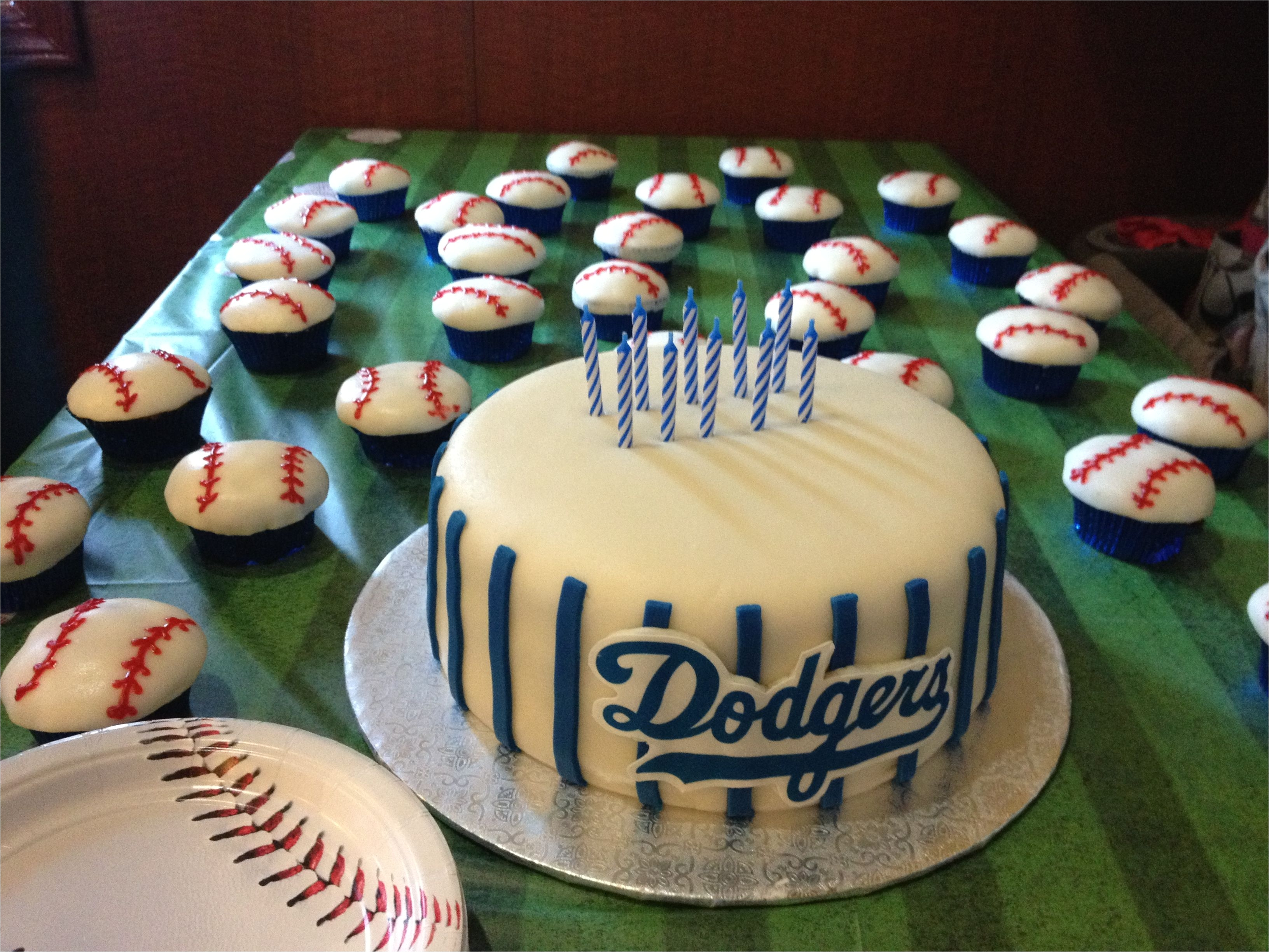 baseball birthday a dodger cake cupcakes