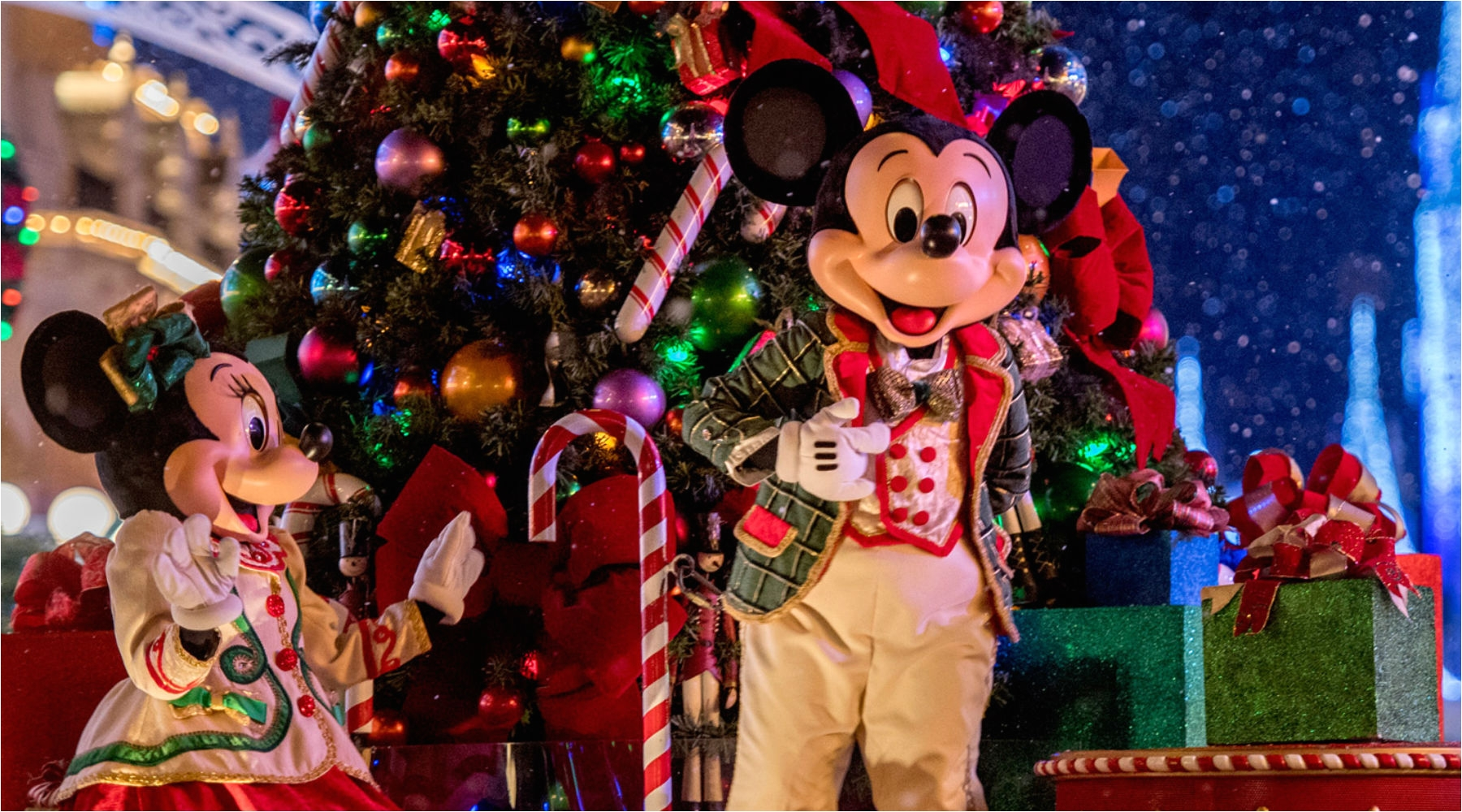 Best Christmas Decorations at Disney World Things to Do for Christmas with Kids at Disney World Minitime