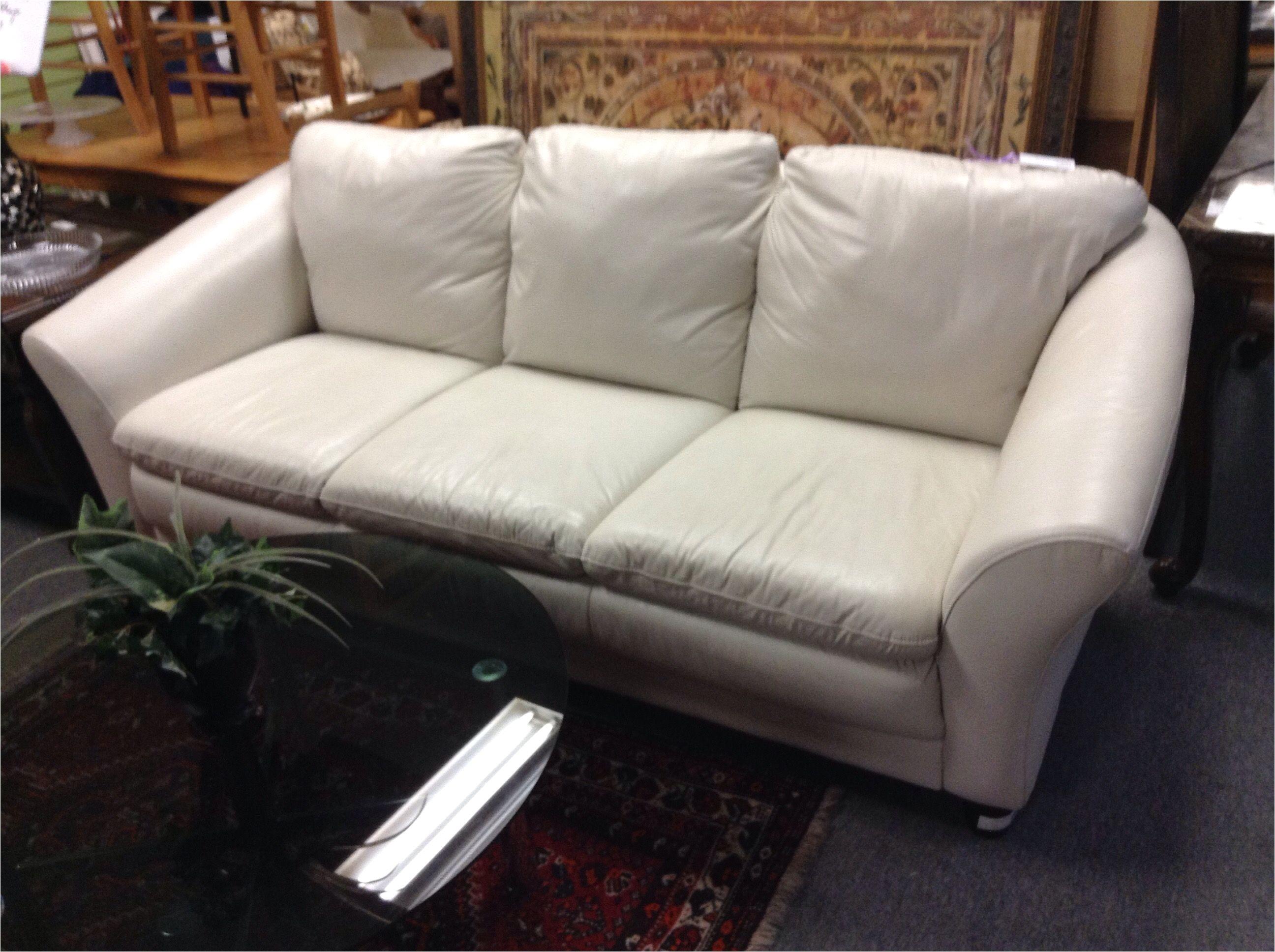 3 seat leather sofa contemporary design sofa in excellent condition item 1206 3
