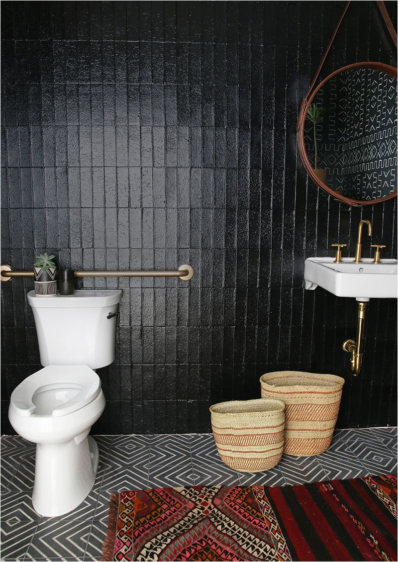 antes y despues un aseo de oficina de color inesperado bohemian bathroomblack