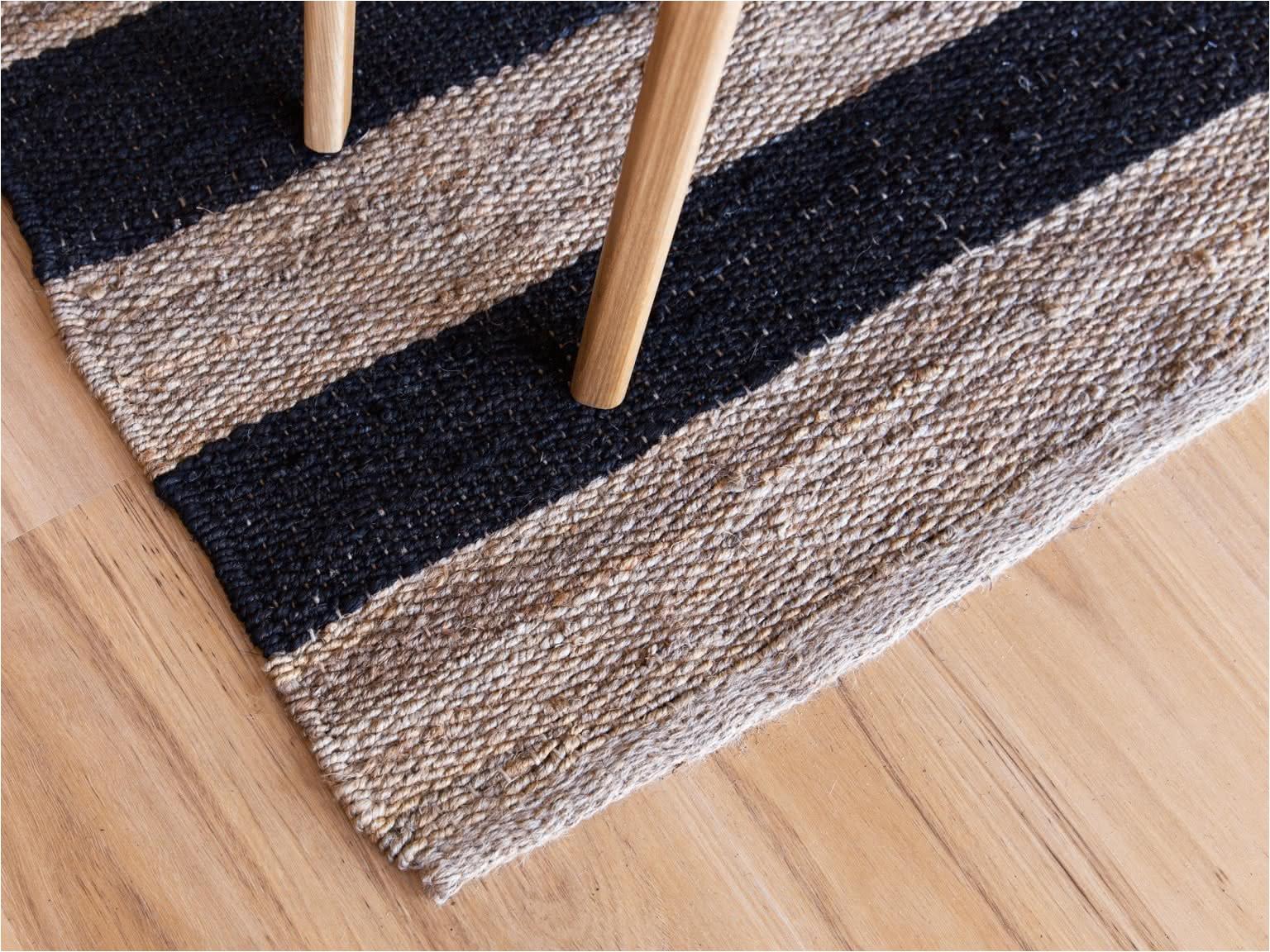 rec rug black