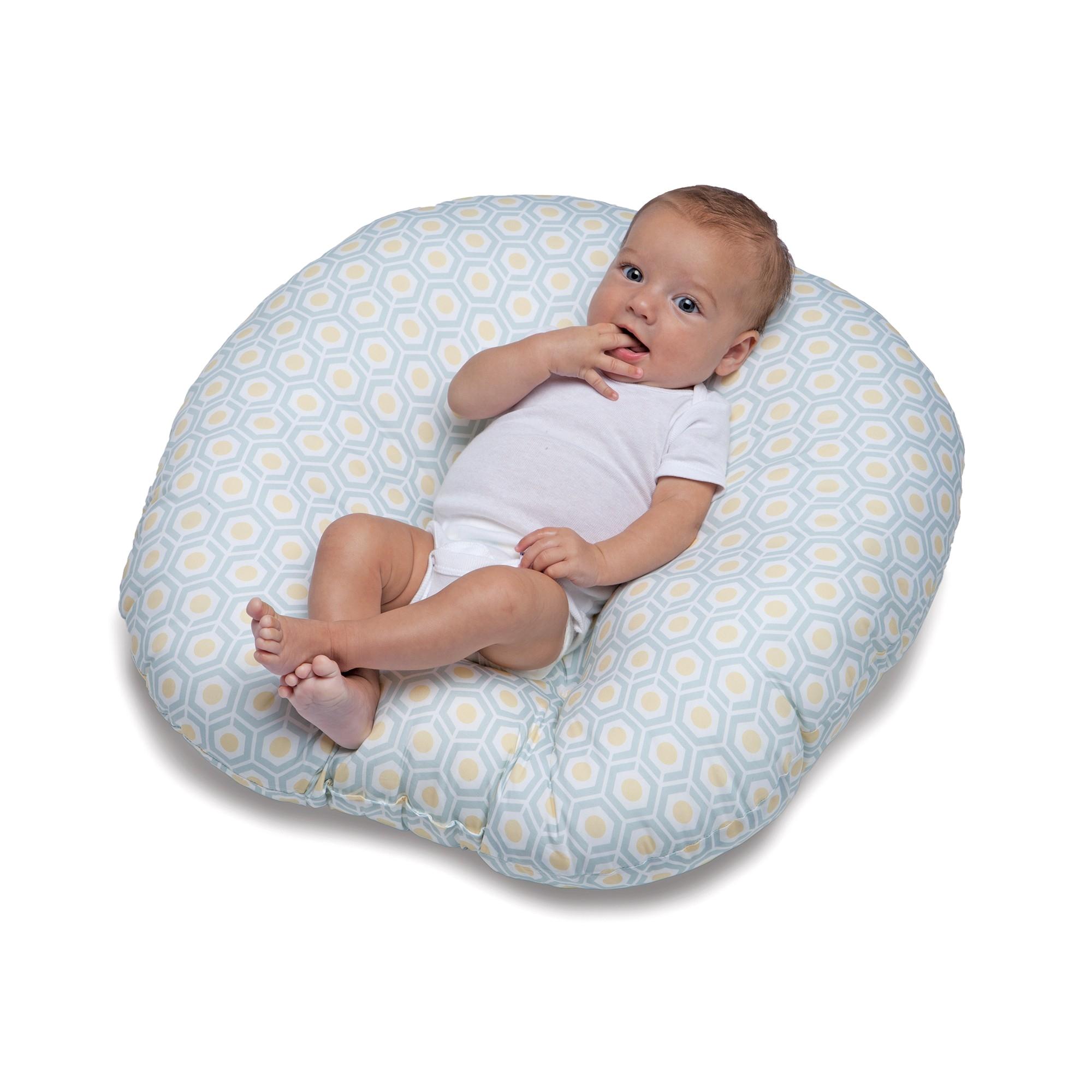 Boppy Baby Chair Vs Bumbo Boppy Meet the New Baby Chair Fine Ankitsingh Me