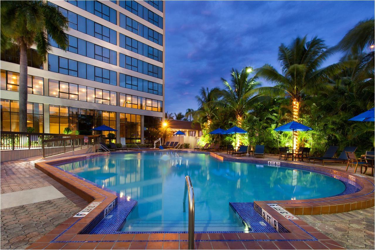 Cheap Hotels In Miami Gardens Holiday Inn Miami West Airport Ar Hialeah Gardens Fl Booking Com