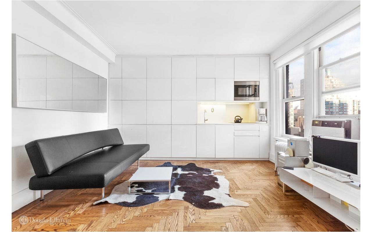 Cheapest One Bedroom Apartments In Nyc 230 West End Avenue 11f In Lincoln Square Manhattan Streeteasy