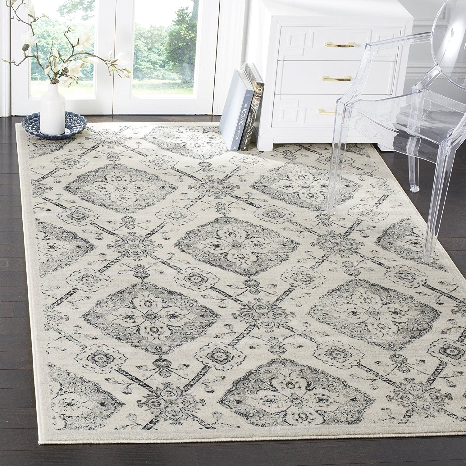 amazon com safavieh carnegie collection cng623c floral medallion diamond trellis cream and light grey area rug 6 7 x 9 2 home kitchen