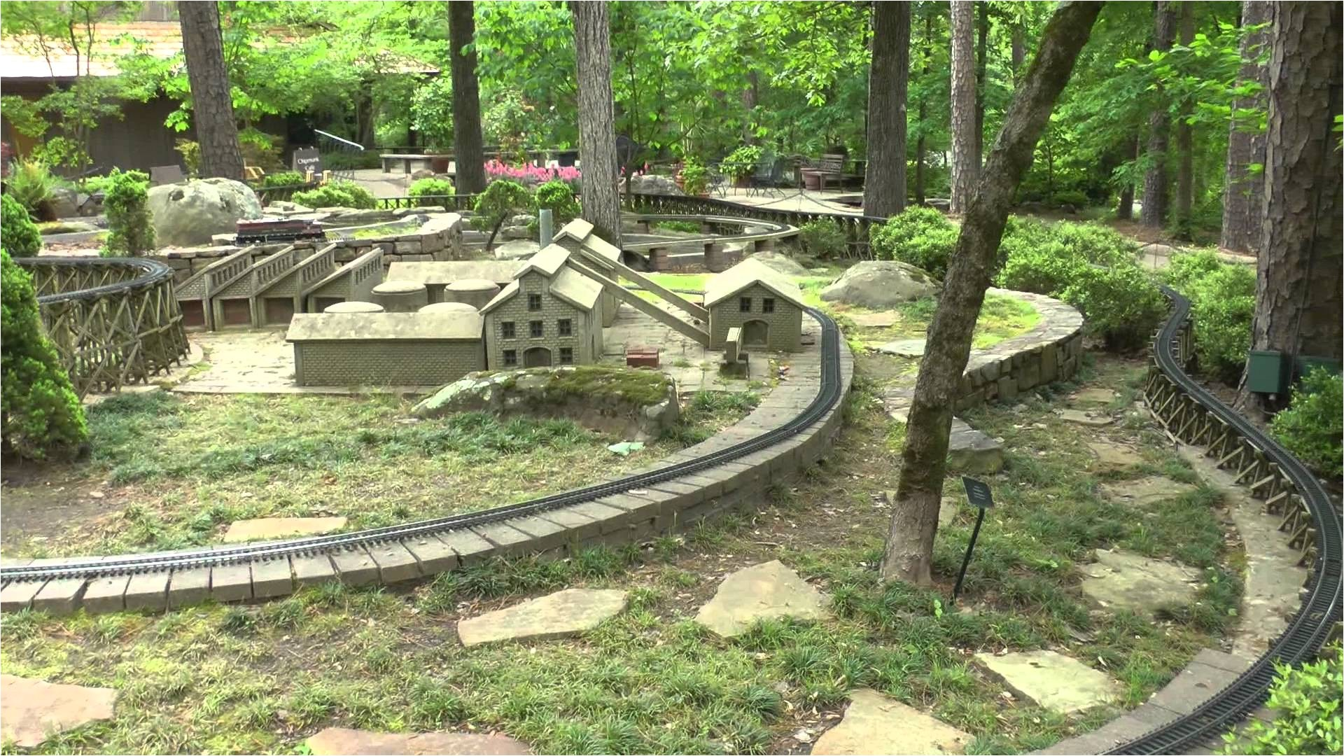 Garden Trains Garden Trains at Garvan Woodland Gardens Hot Springs Arkansas Youtube
