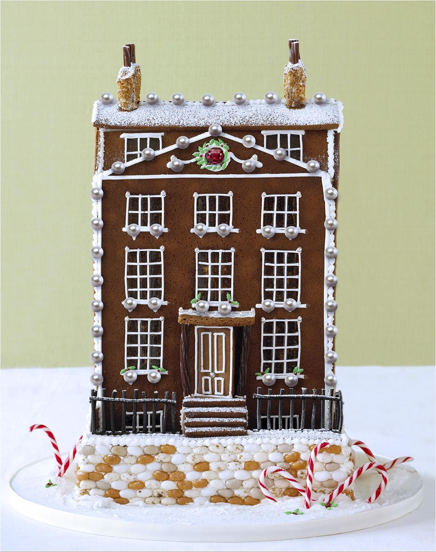 5499f08048de990f76762545 gingerbread houses extravagant ss01 jpg