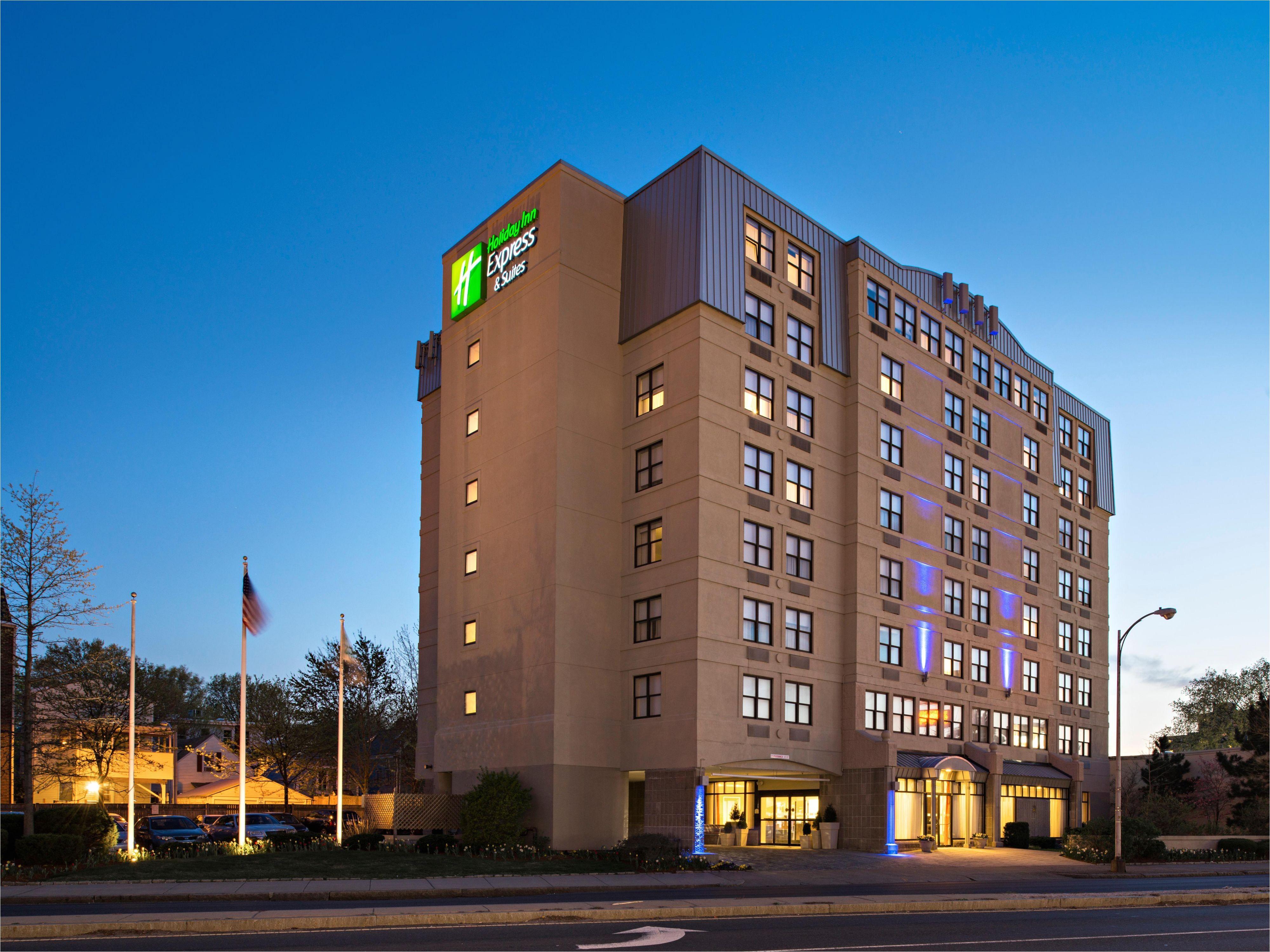 Hotels In Boston Near Td Garden Holiday Inn Express Suites Boston Cambridge Hotel by Ihg