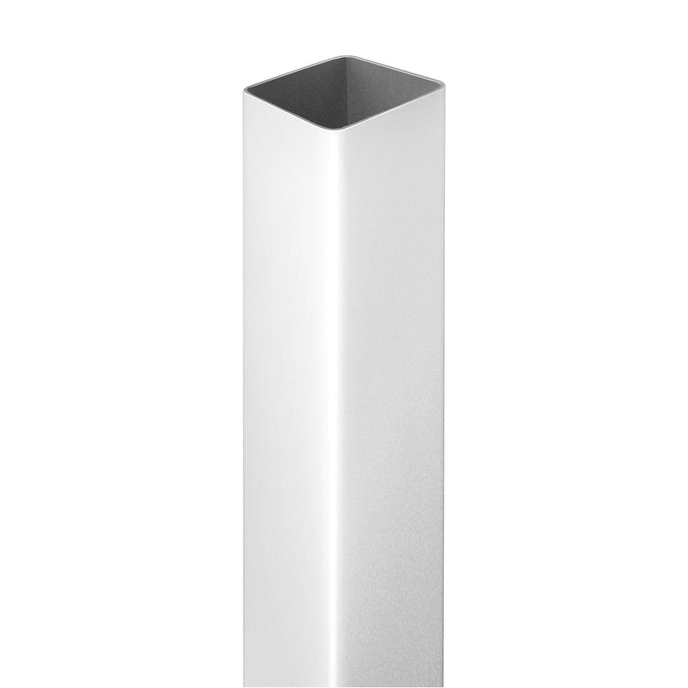 white vinyl fence post
