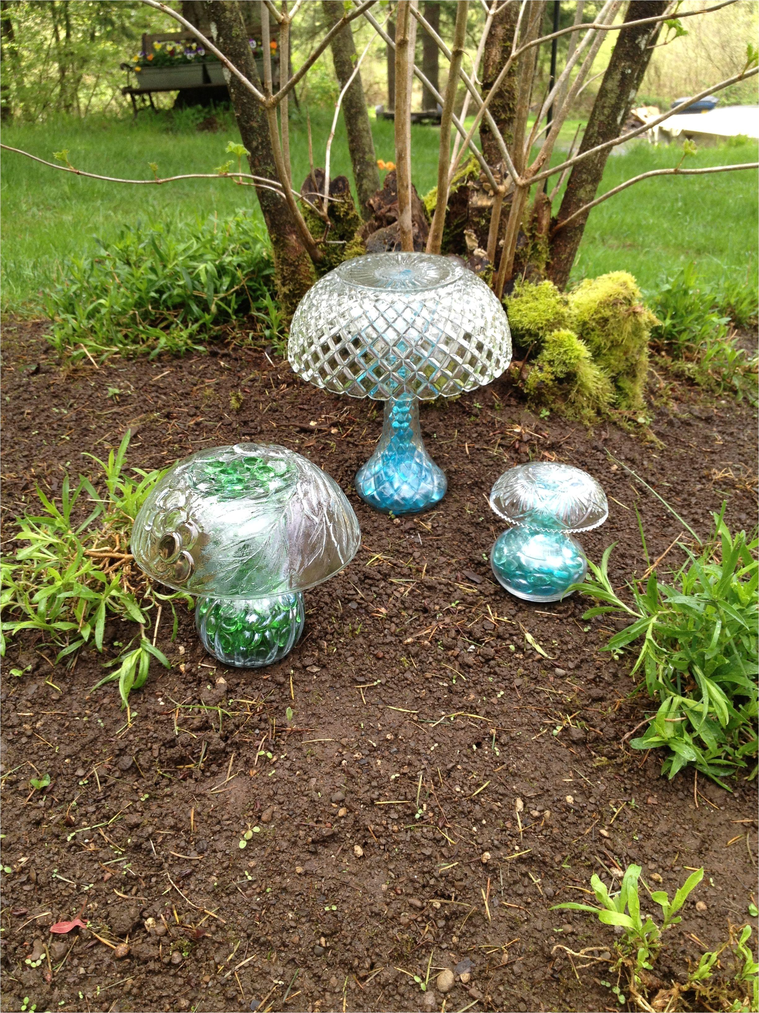 diy mushrooms lawn decor upcycle