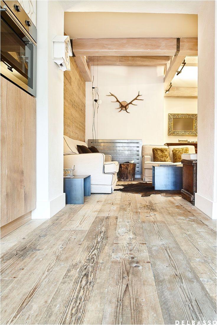 chalet con pavimento in legno in abete di recupero ambiente firmato delbasso parquet chalet