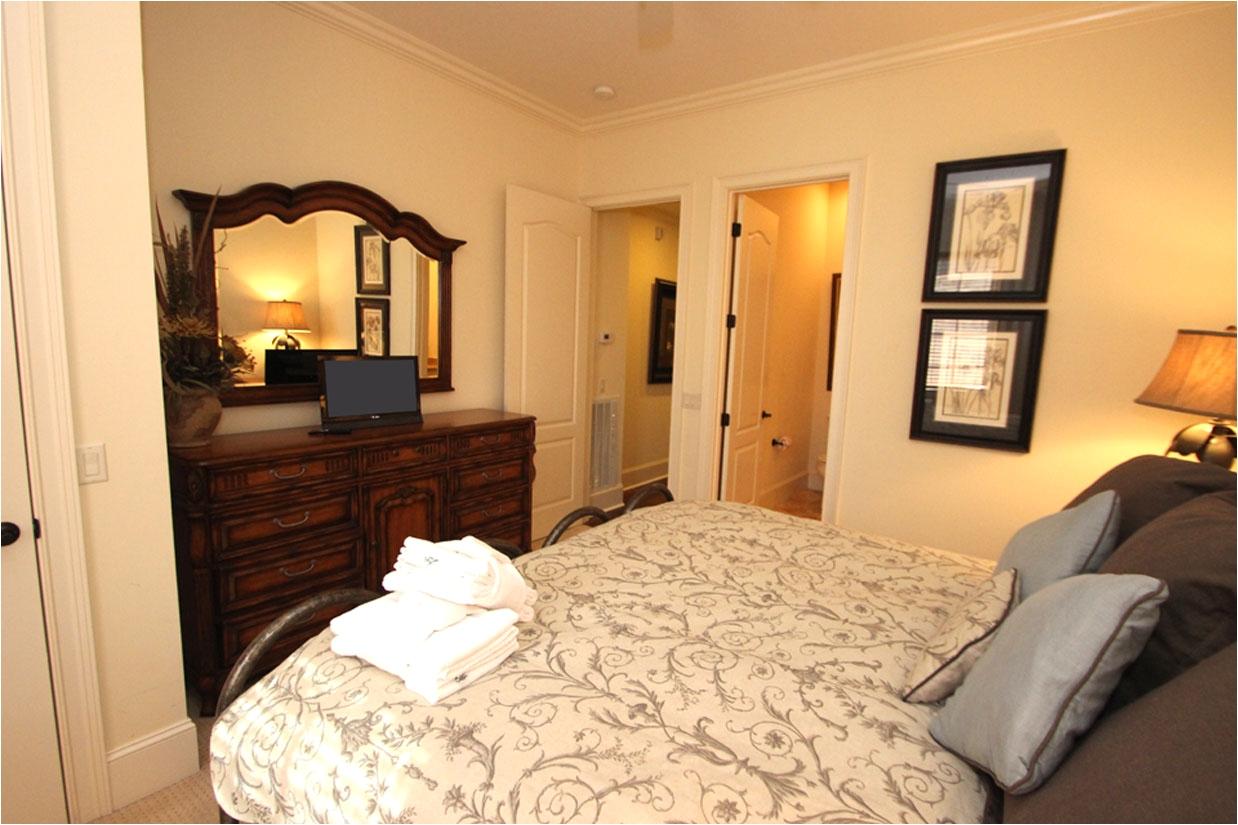 guest bedroom 1 on 2nd floor 2