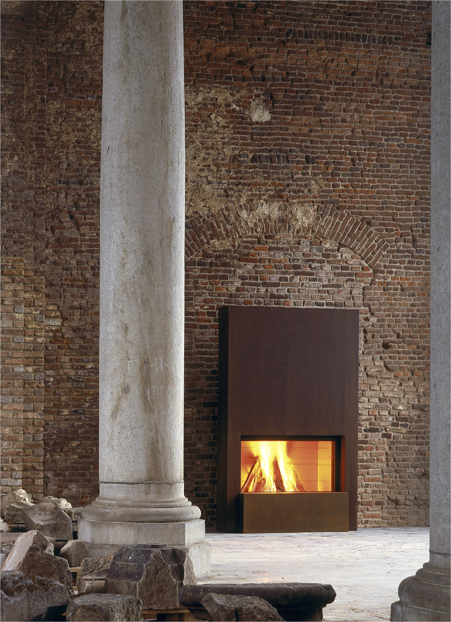 single sided stuv 21 insert fireplace 1250mm x 600mm hearth with rust cladding option