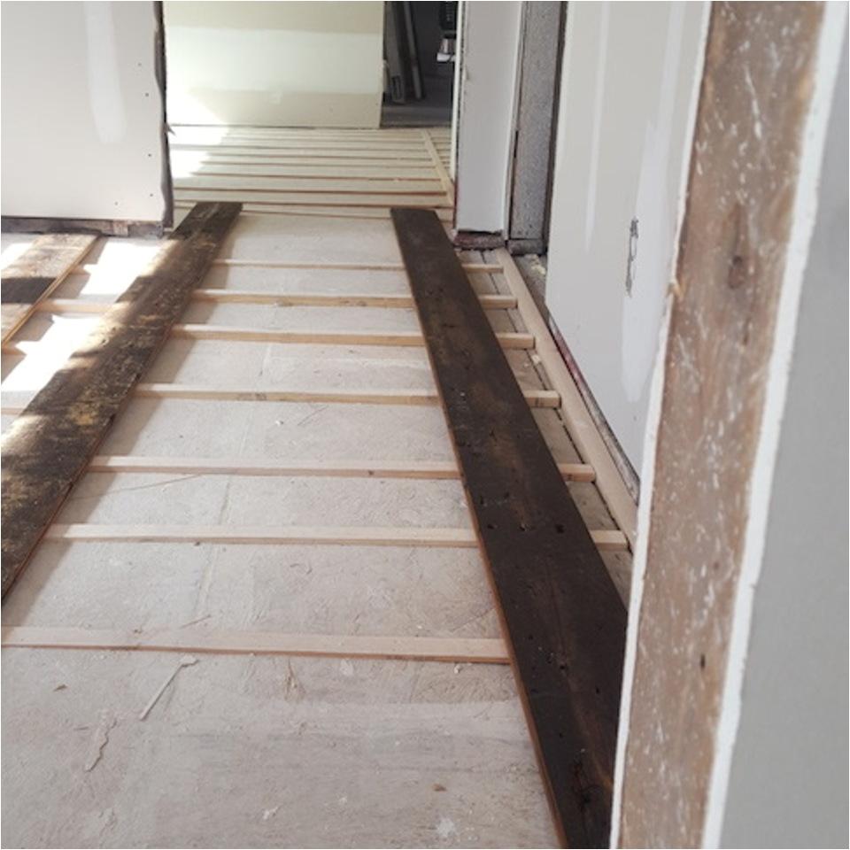 20170207 115326 roper hardwood floors tulsa ok alternating color alternating width before20170511 13051 9hroxj 960x960