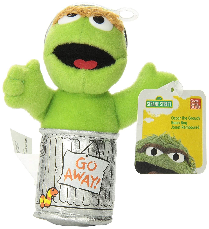 amazon com enesco sesame street 5 oscar the grouch beanbag gund plush toys games