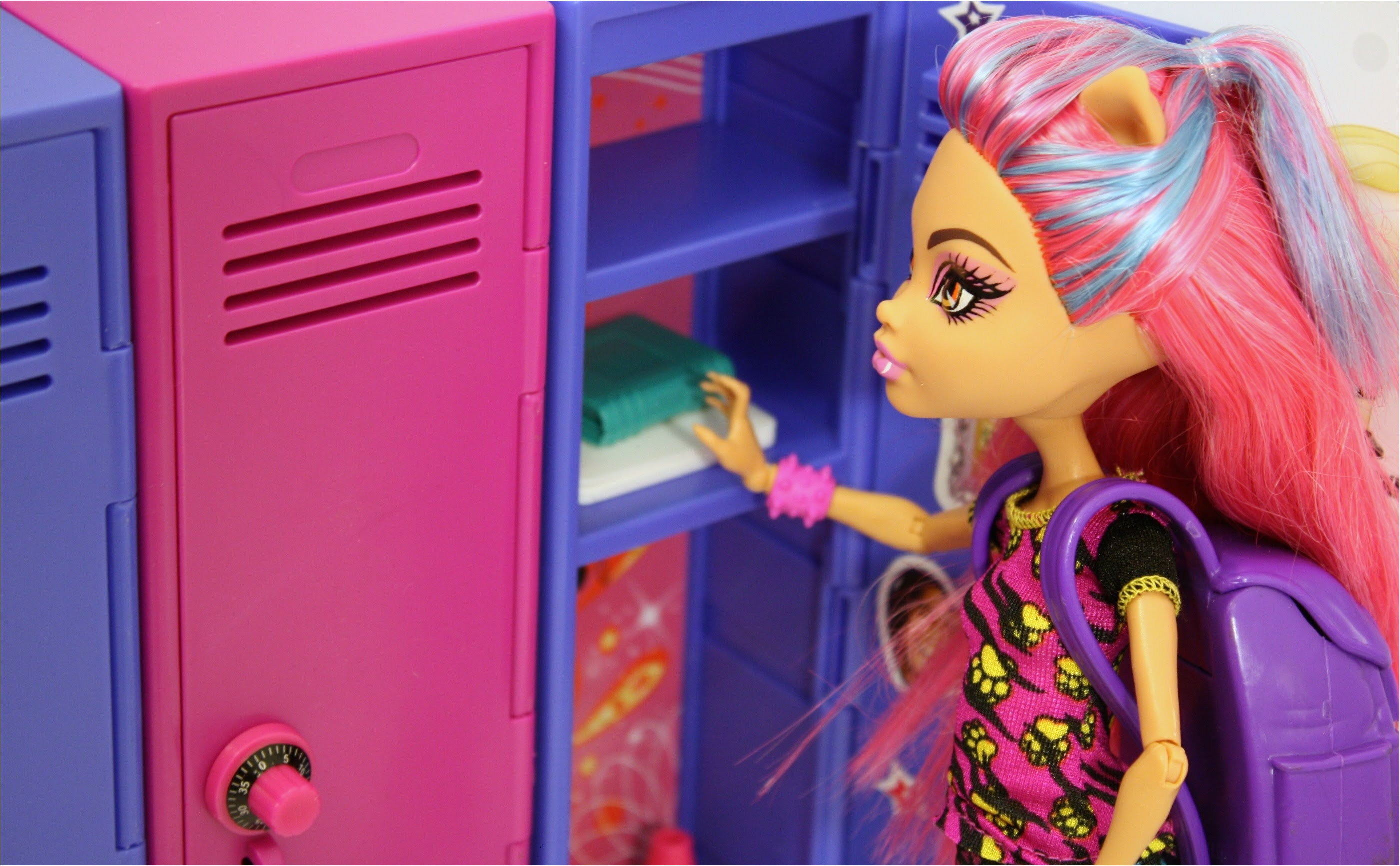 Victorious Locker Decorator Kit Awesome toys R Us Find Victorious Locker Decorator Set Review