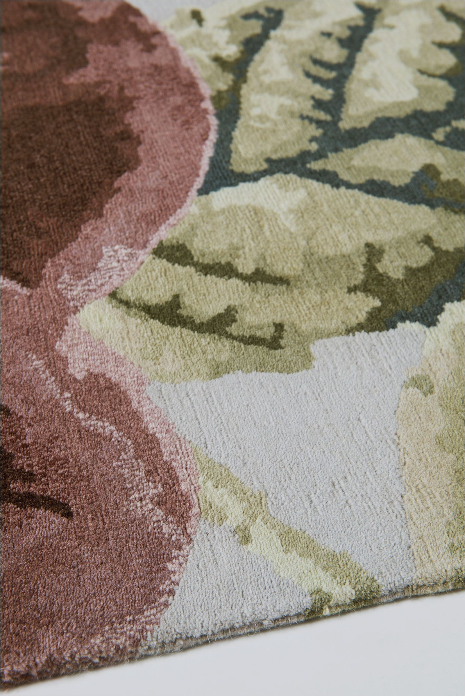 Westwood Accent Rug Vivienne S Rose Dust by Vivienne Westwood the Rug Company