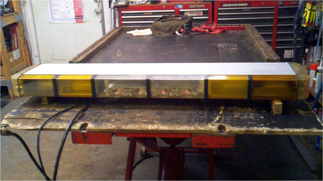 whelen 96 series strobe light bar 48 12 strobe 12 halogen and pcc s9 controller