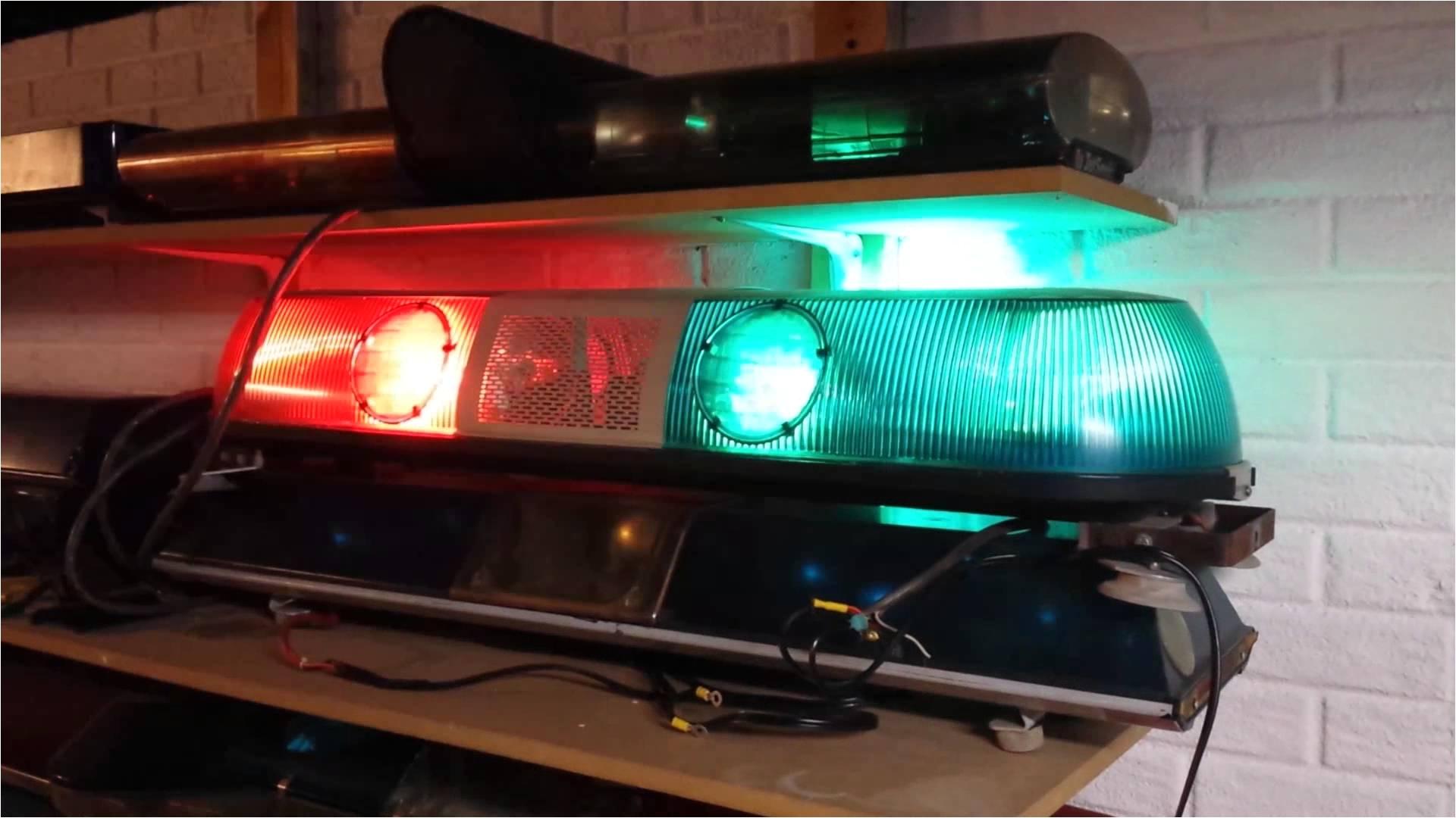 whelen model 80 red blue strobe lightbar