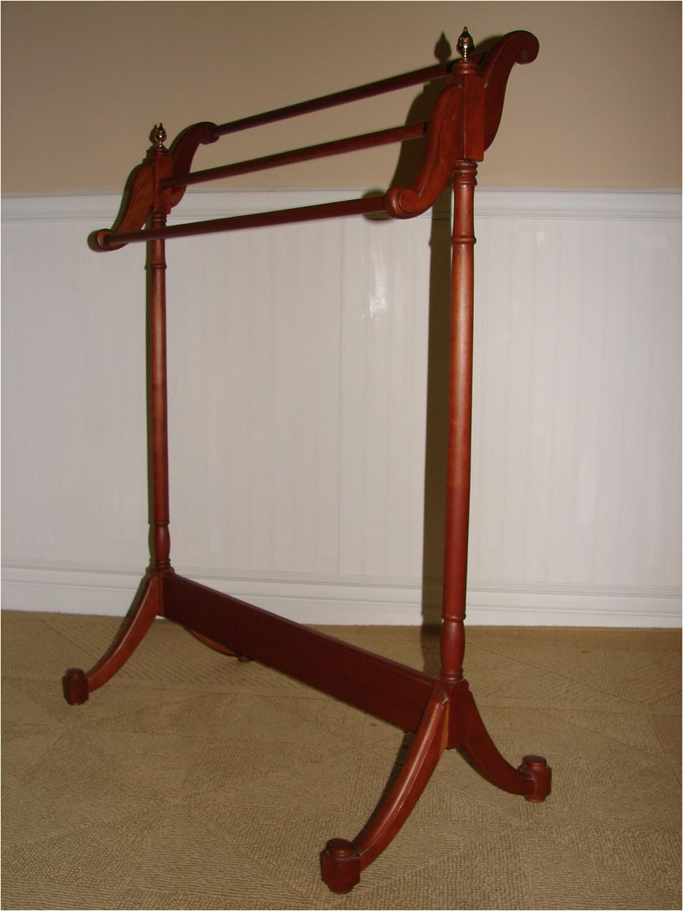 White Wall Mounted Quilt Rack Vintage Cherry Quilt Rack Quilt Stand Valet with Brass Finials