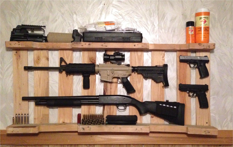 diy gun rack out of wooden pallet