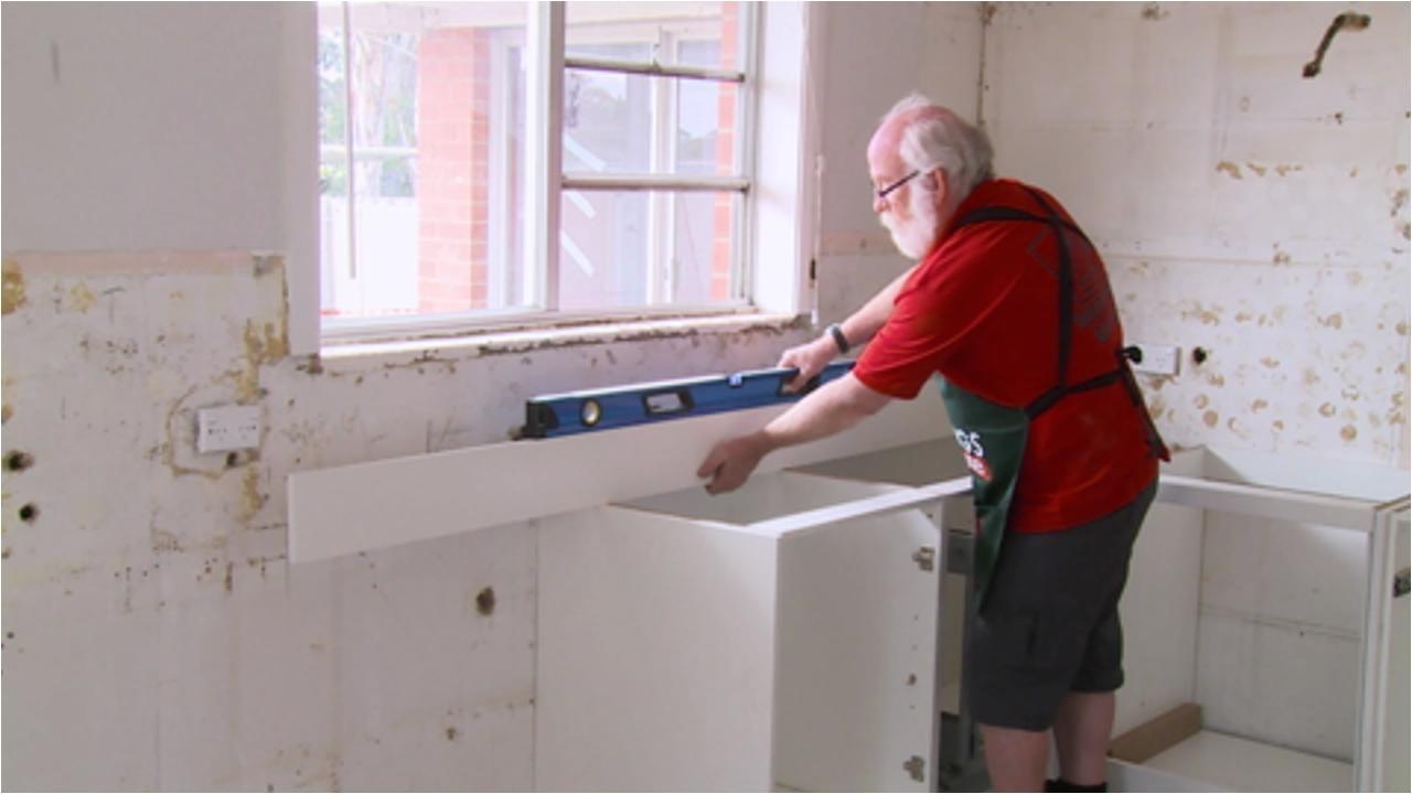 Bunnings Floor Scraper D I Y Timber Look Feature Wall Bunnings Warehouse