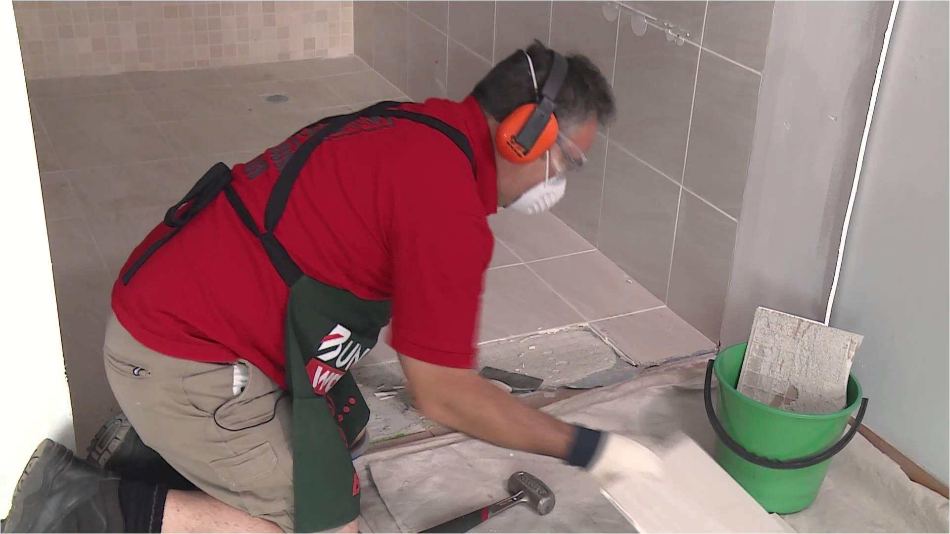 Bunnings Floor Scraper How to Remove Floor Tiles Diy at Bunnings Youtube