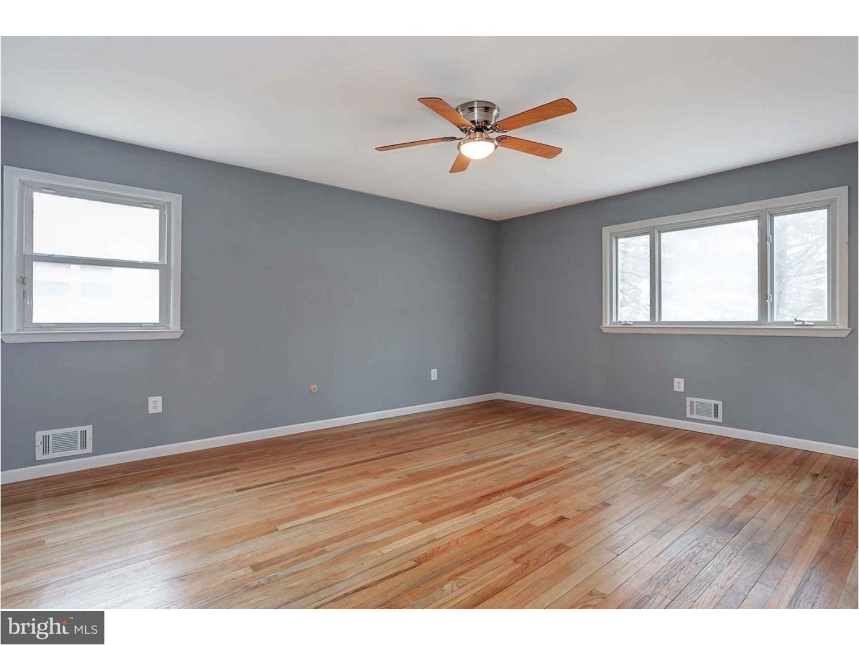 East Windsor Flooring Hours 7 Ivy Ln E East Windsor Nj 08520 Mls 1000272860 Re Max Of