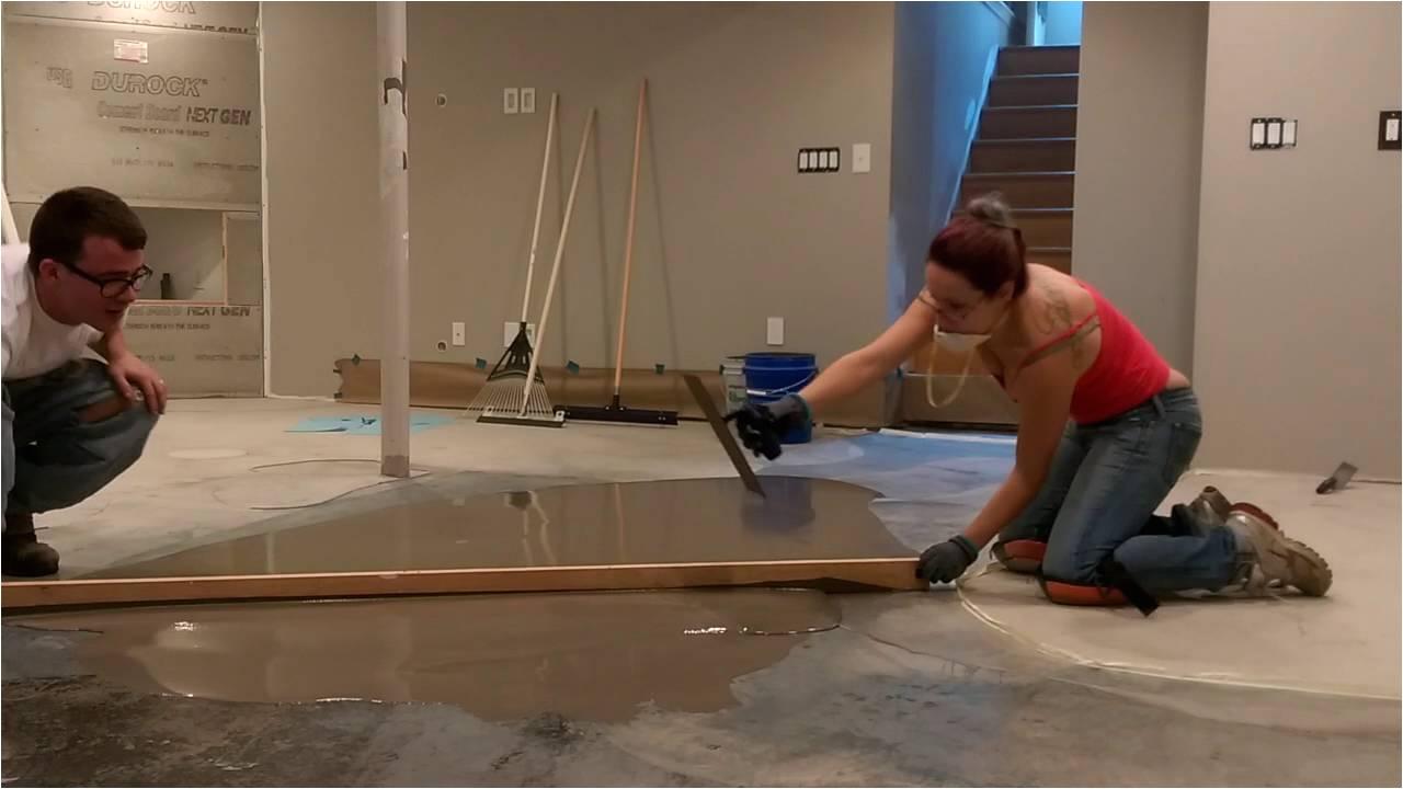 Floor Leveling Contractor Diy Self Leveling Underlayment Youtube