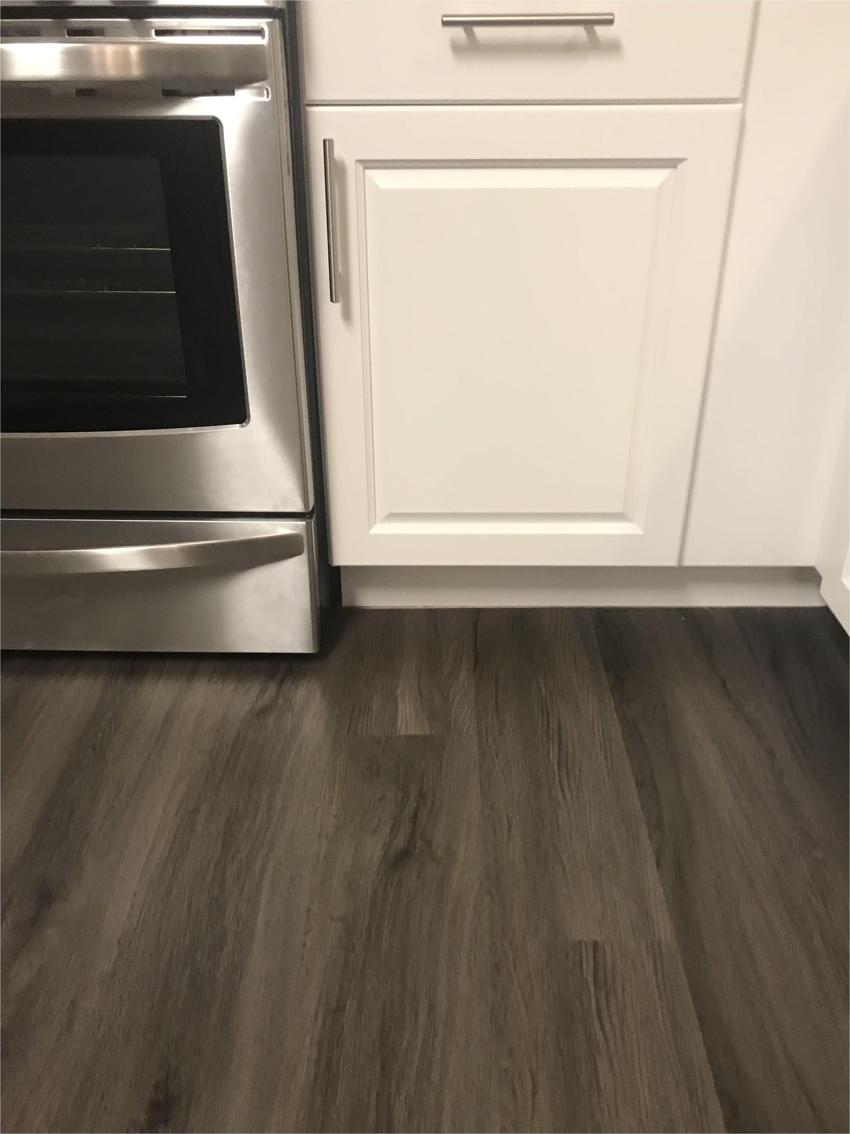 Home Depot Kitchen Flooring Vinyl Lifeproof Seaside Oak 7 1 In X 47 6 In Luxury Vinyl Plank Flooring