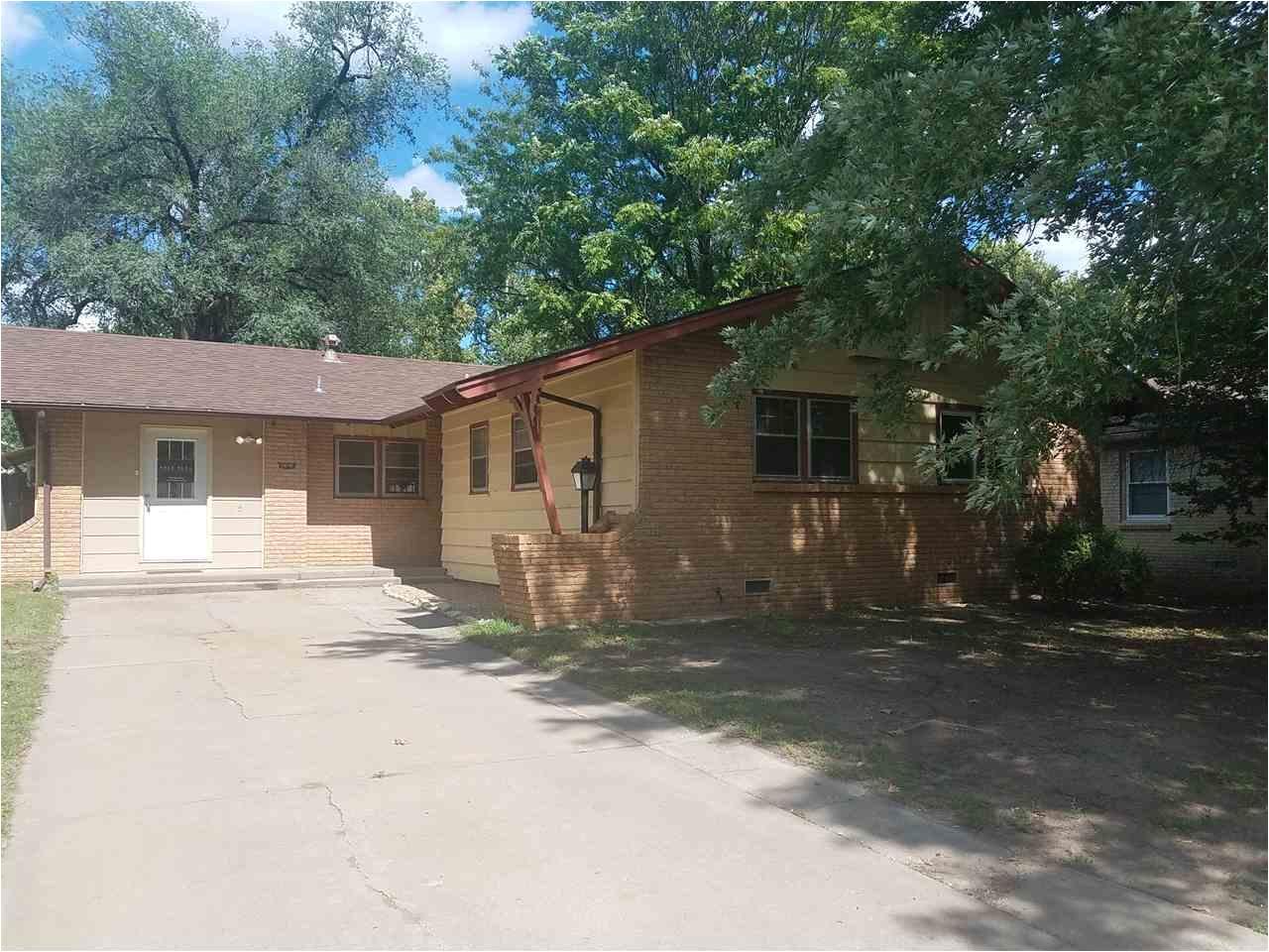 Homes for Sale In Wichita Kansas 2610 W Manhattan Dr Wichita Ks 67204 Team Cooley Realtors