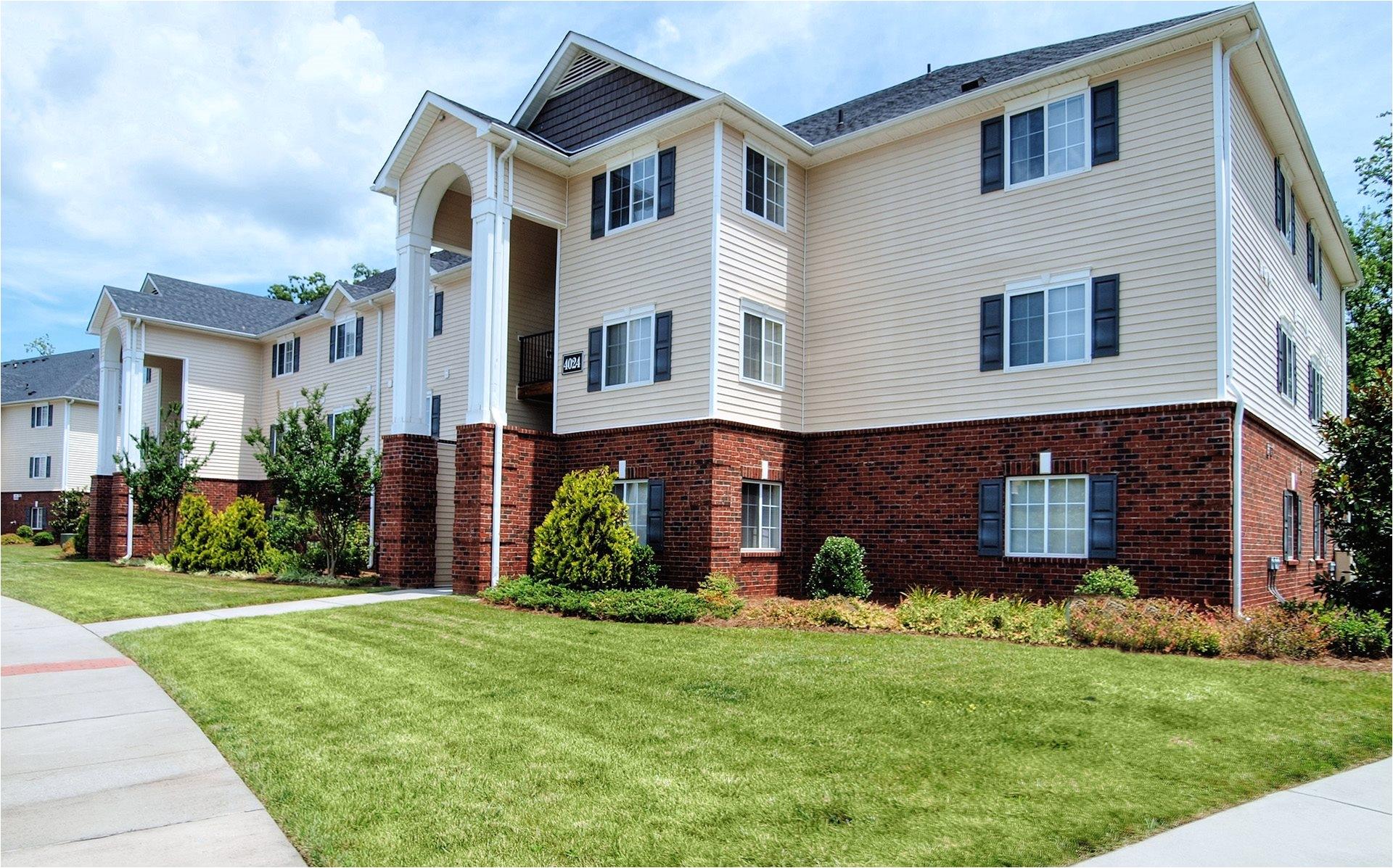 beautiful brick construction battleground north apartments in greensboro nc