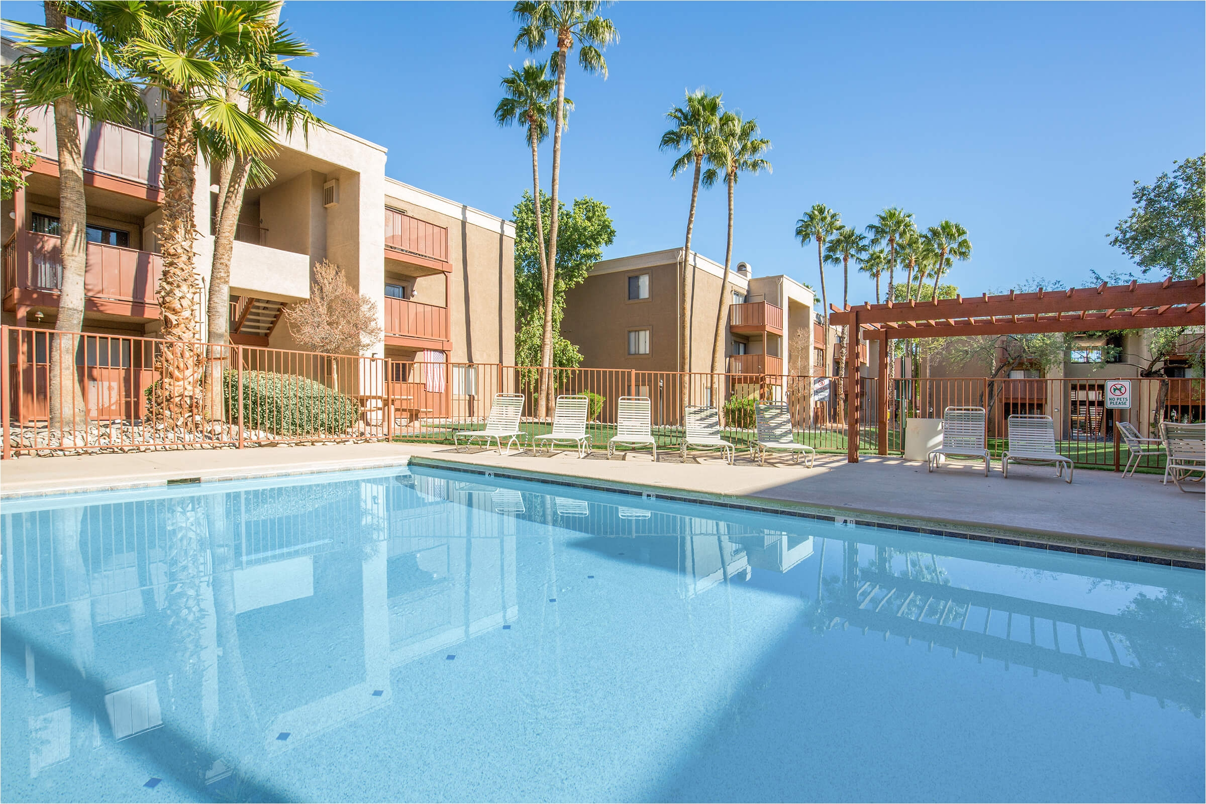 desert shadows apartments
