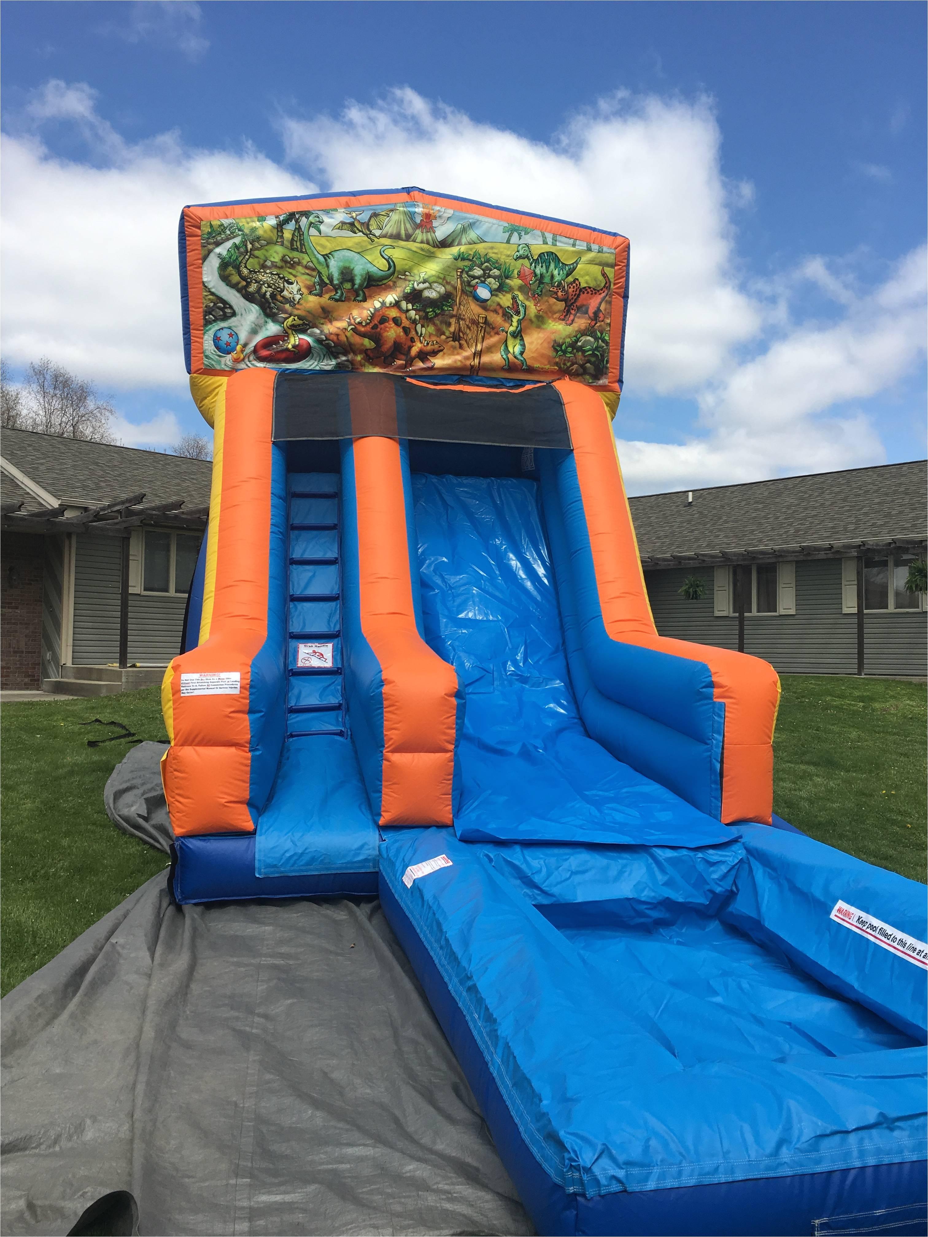 18′ themed water slide