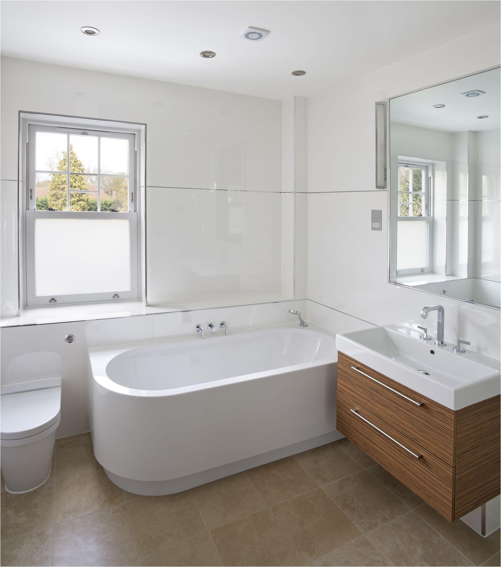 bathroomtub gettyimages 175597537 596ea3f5685fbe001133ede7