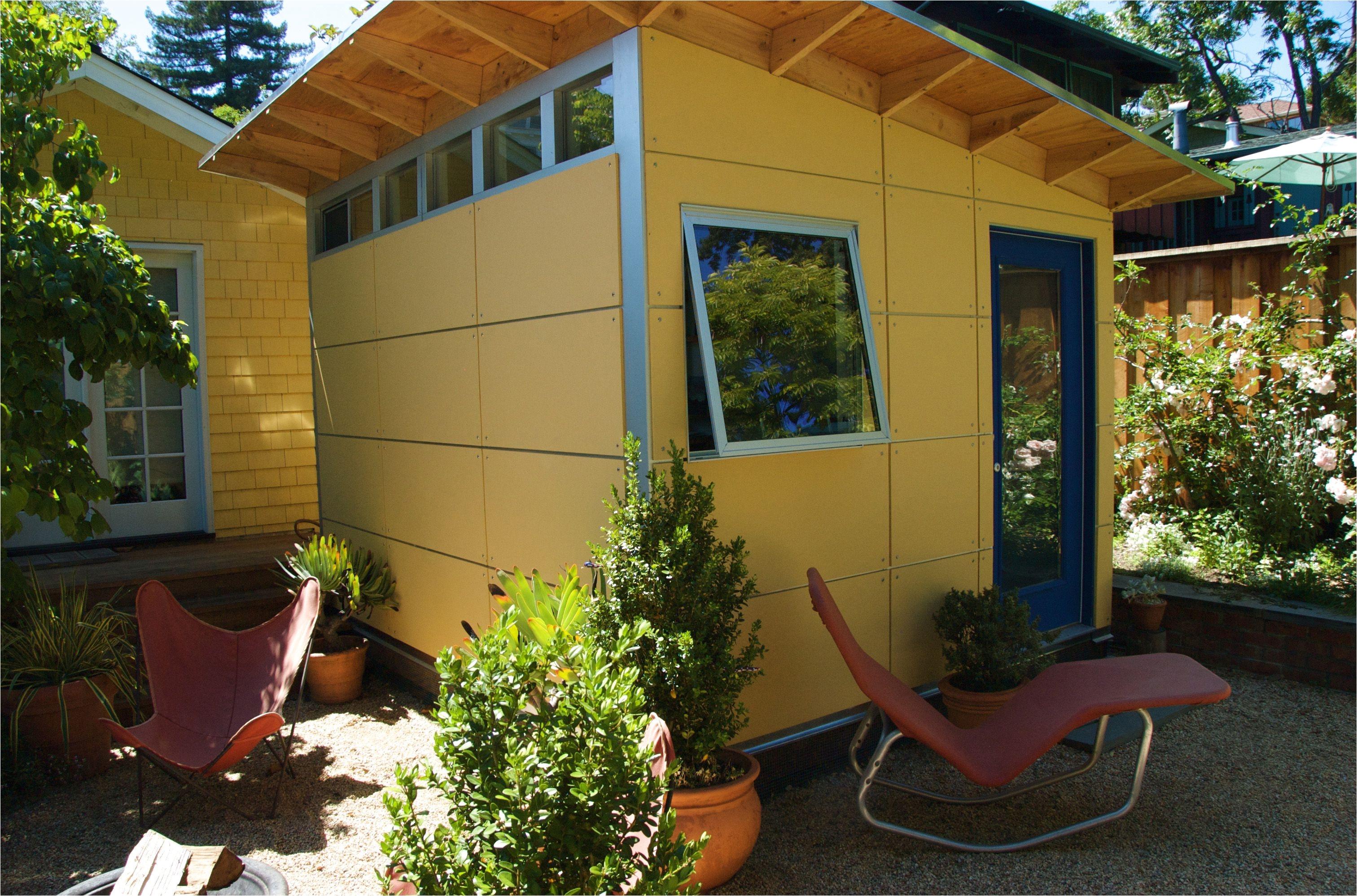 art studio studio shed via smallspace about com 56a887df5f9b58b7d0f3192d