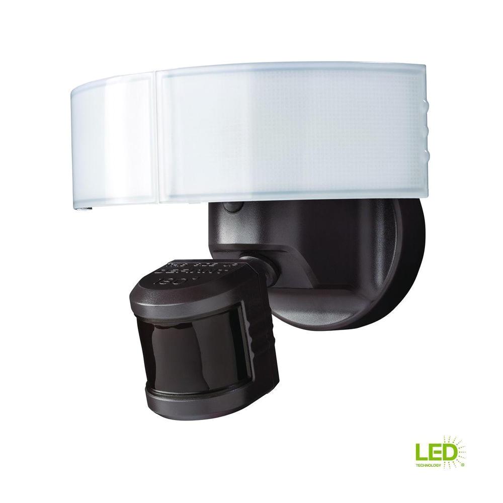defiant 180 bronze led motion outdoor security light dfi 5983 bz the home depot