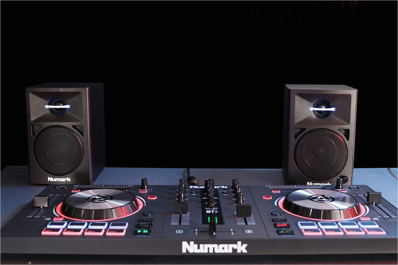 amazon com numark n wave 360 powered desktop dj monitor speakers 3 woofer 60 watts numark musical instruments