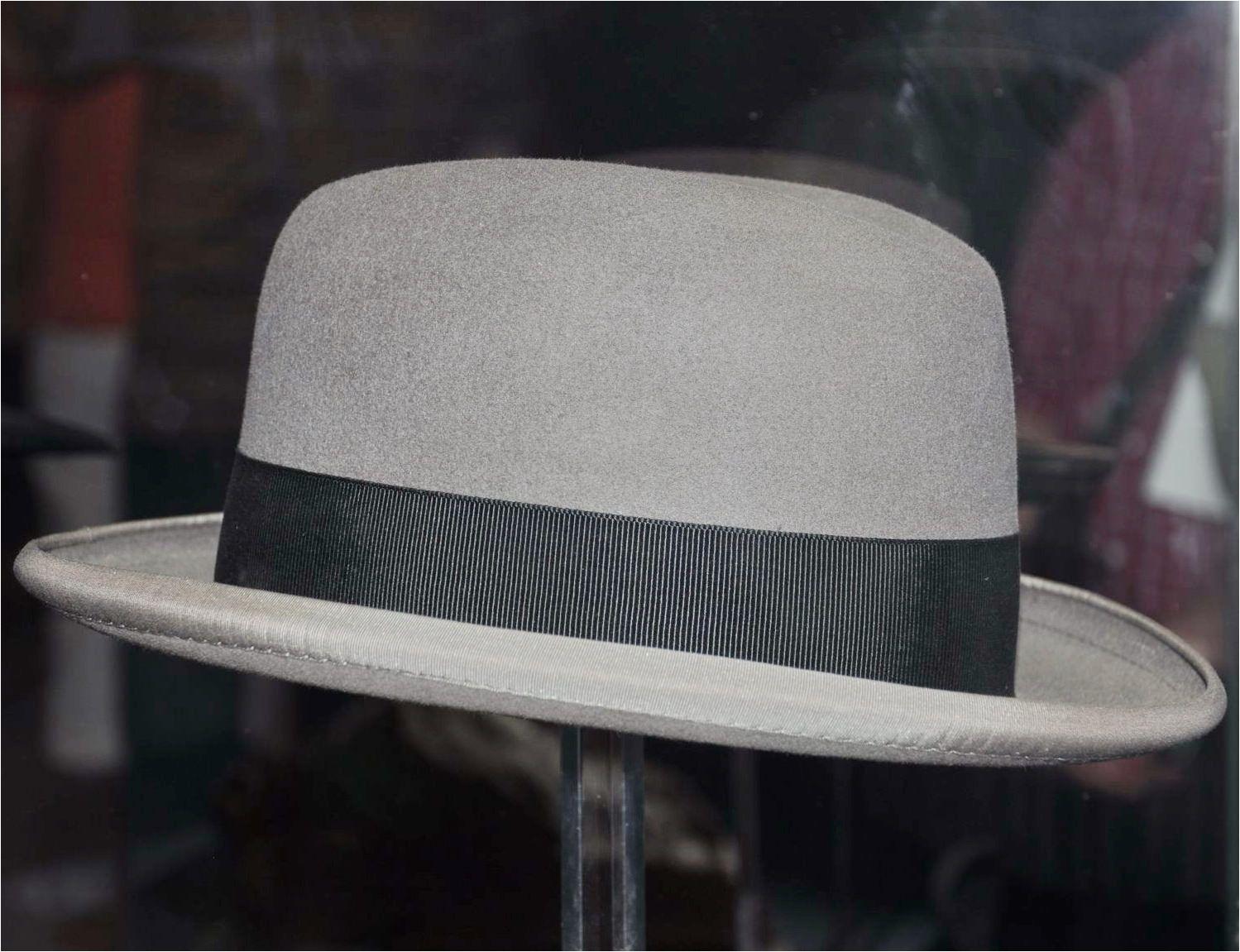 homburg hat with light grey brim edge black hat band