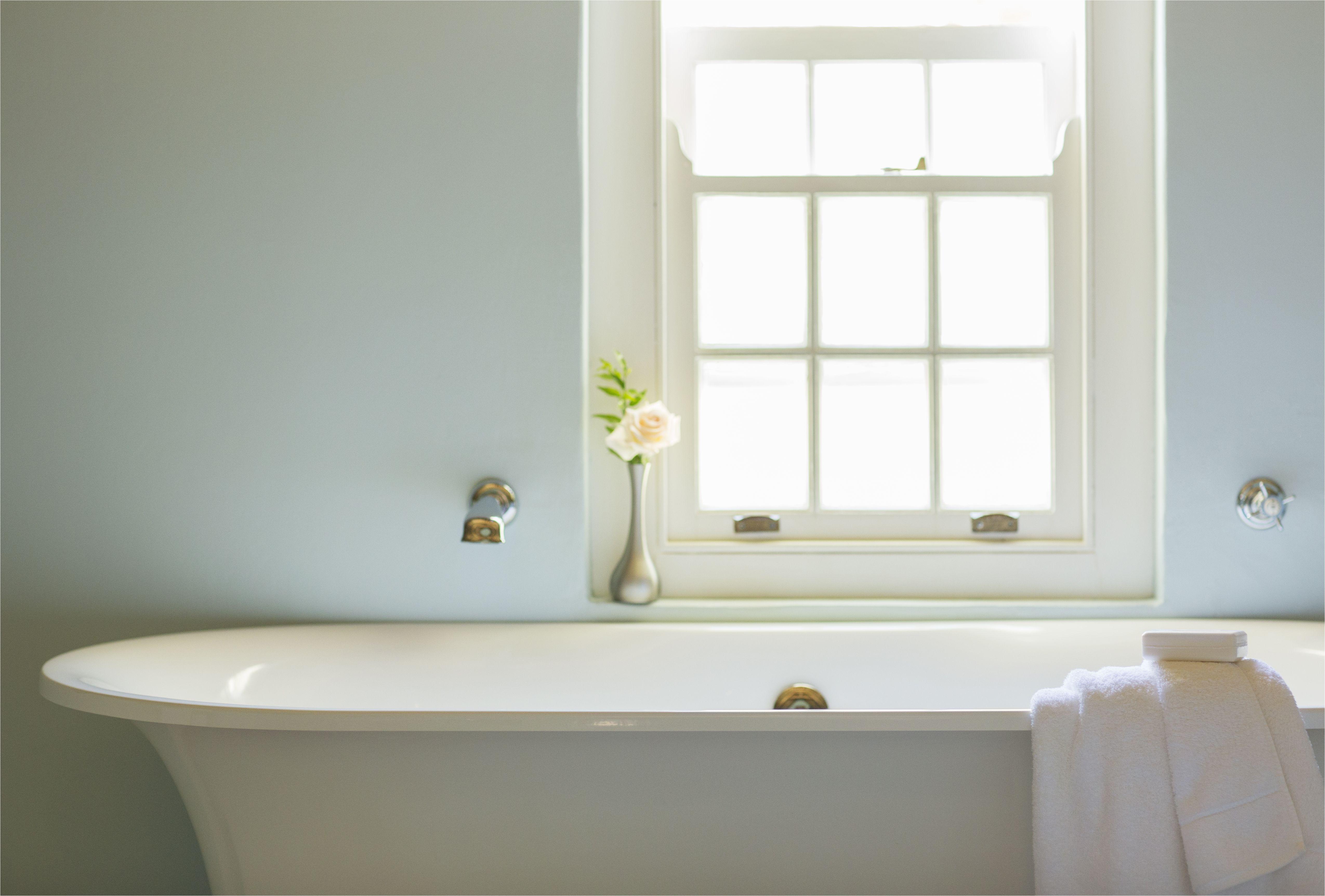 How to Clean Fiberglass Bathtub How to Choose the Best Bathtub Fiberglass Vs Cast Iron