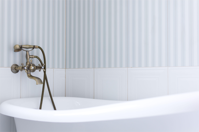 bathtub in bathroom 675630331 5af06a9dc5542e0036fda99f