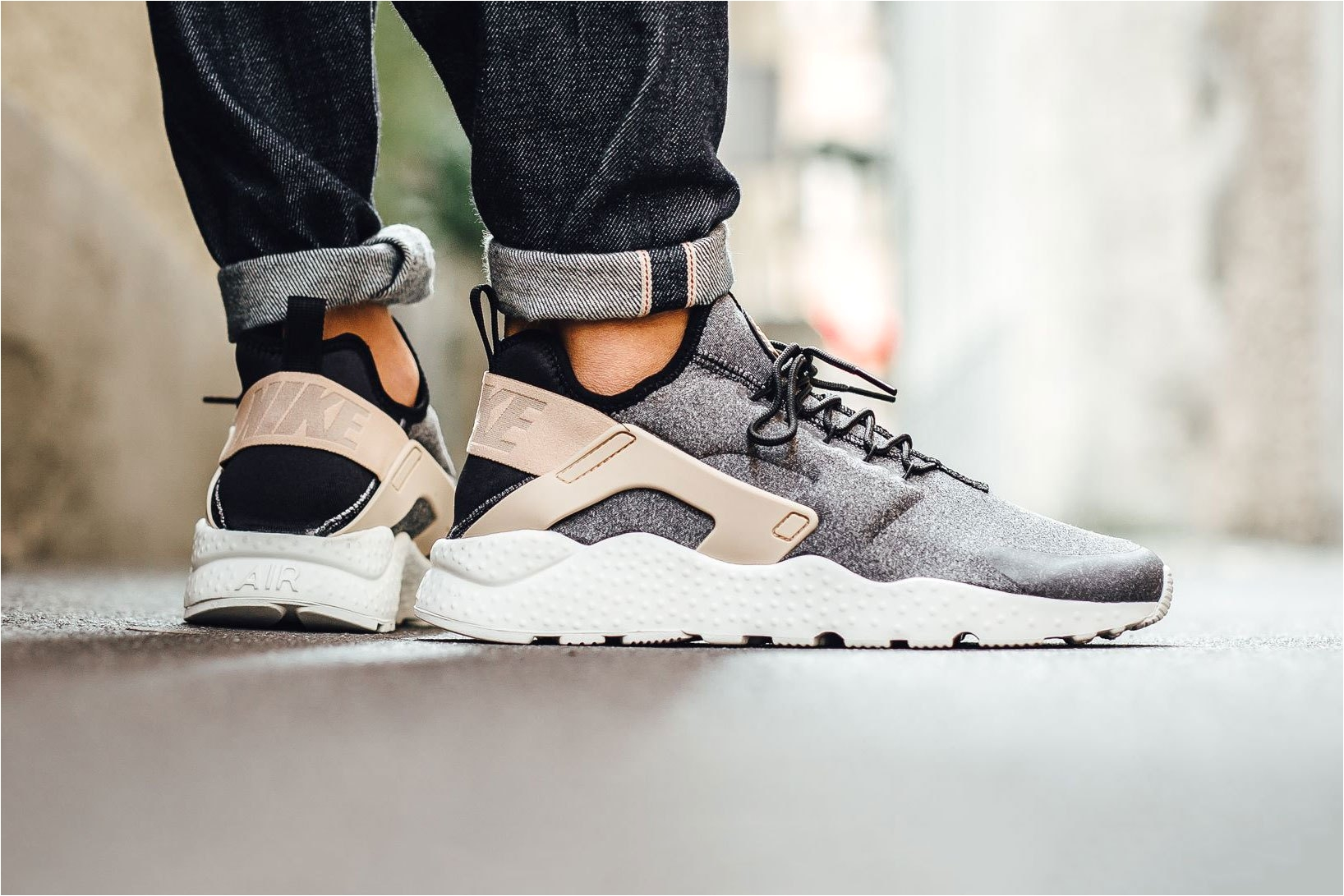 buy authentic nike air huarache run ultra se black tan white trainer for cheap sale with high quality and preferential price and get free one pair of socks