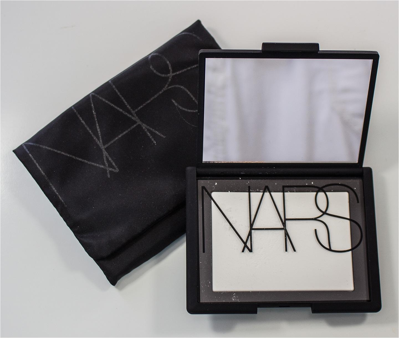 nars light reflecting pressed setting powder in translucent crystal