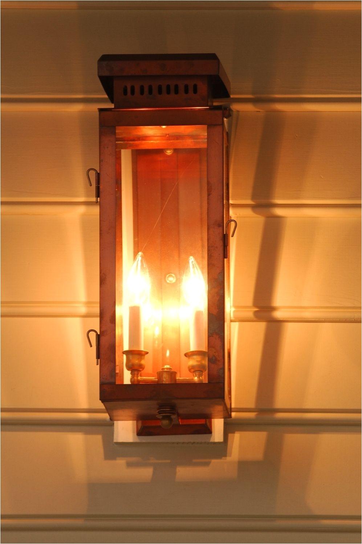 the single house lantern gas or electric the charleston collection lanterns carolina lanterns