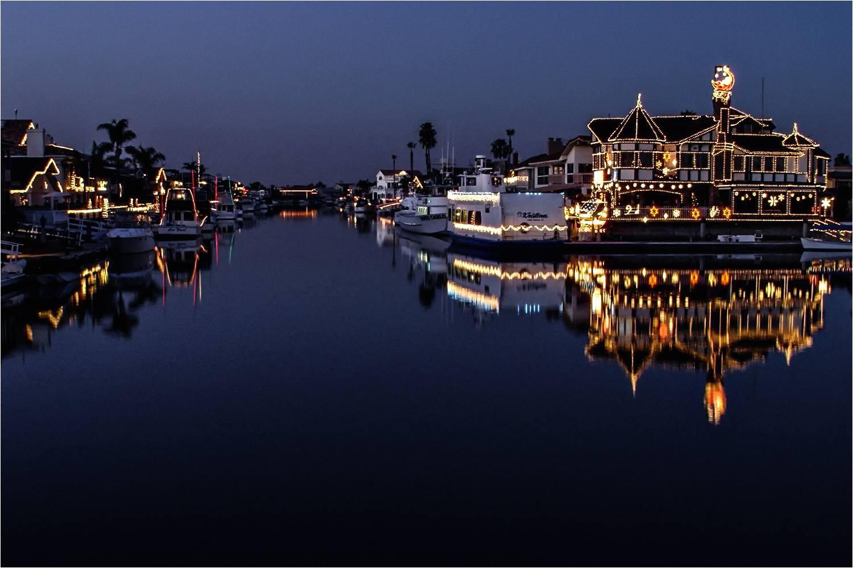 Newport Beach Christmas Lights Cruise.Newport Beach Christmas Lights Cruise Huntington Beach